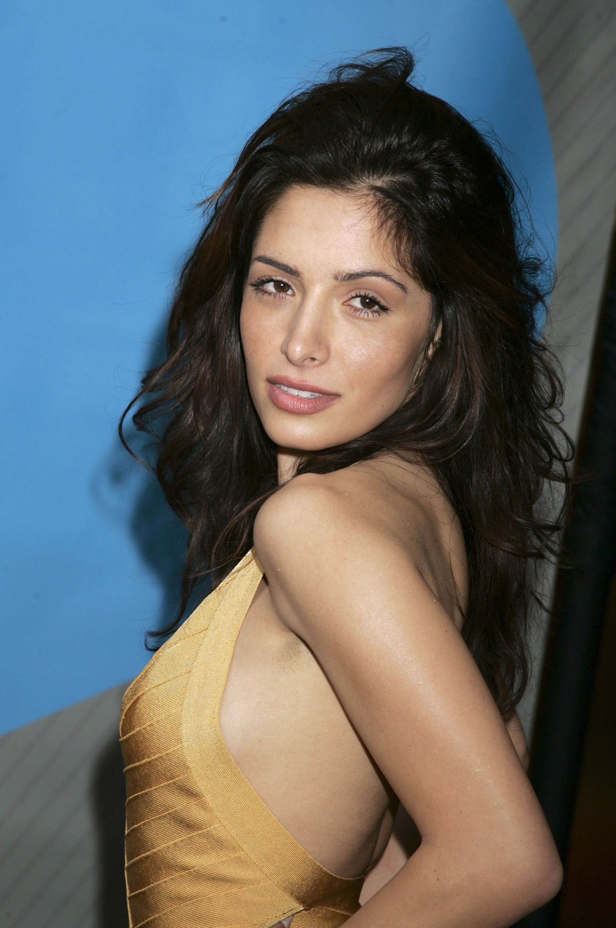 Advertise in print or online The Sacramento Bee Sarah shahi photo gallery