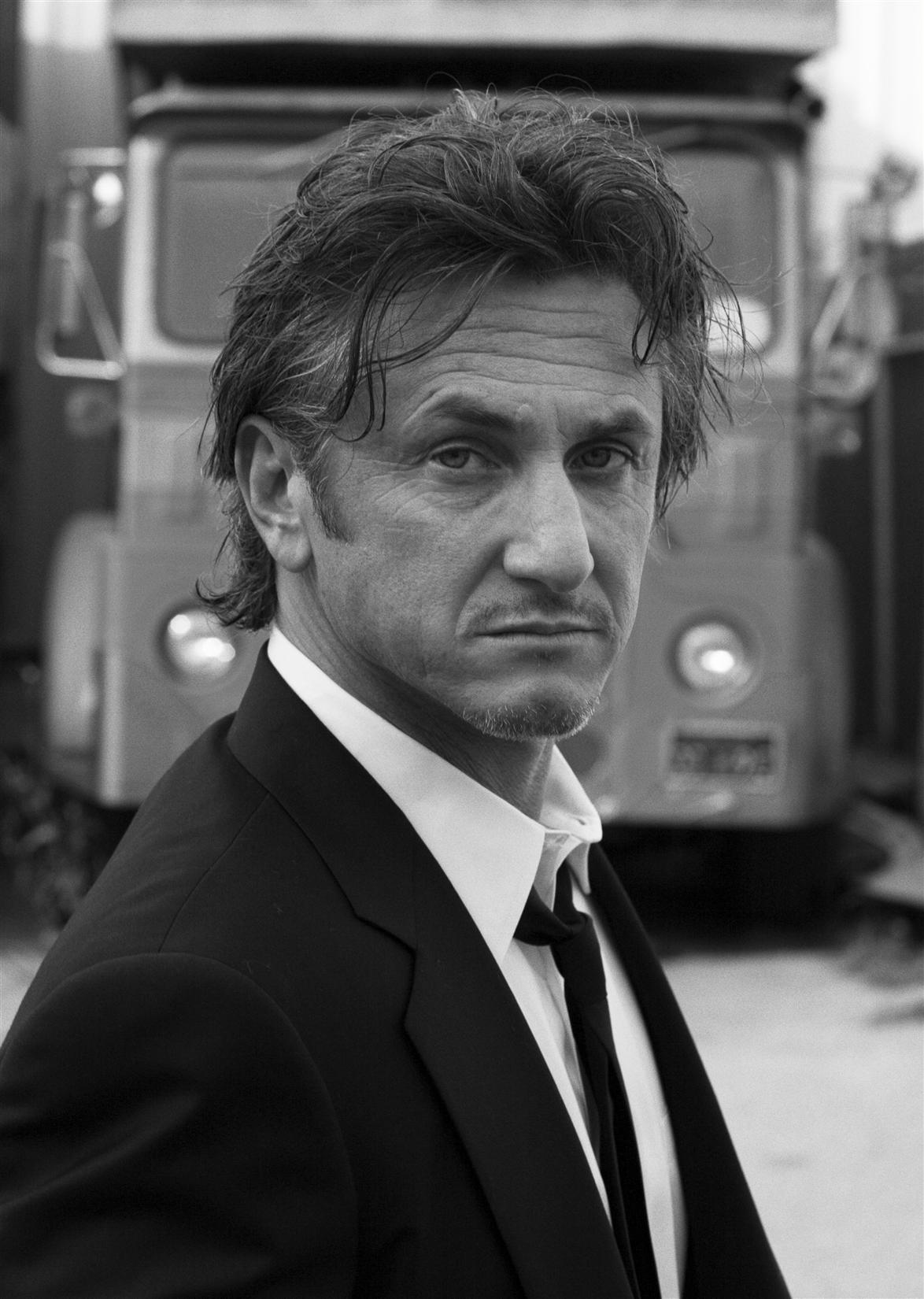 Sean Penn - Wallpaper Actress