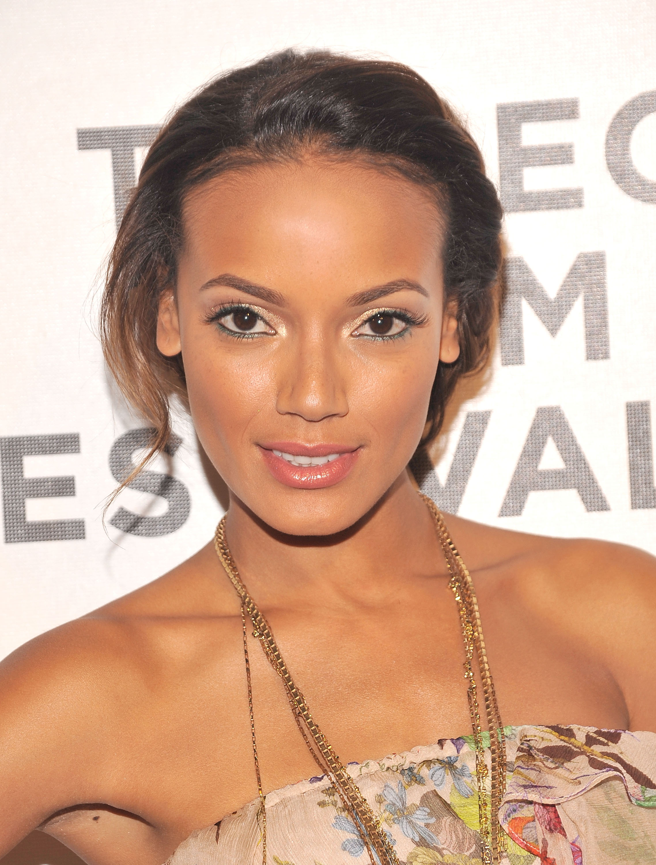 Selita Ebanks photo 241 of 340 pics, wallpaper - photo ...