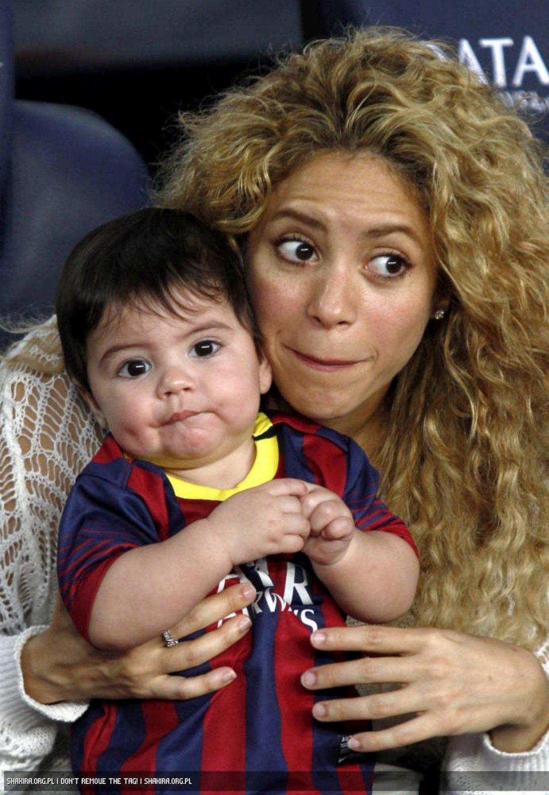 Exclusif - Shakira, son mari Gerard Piqu et leurs enfants, Milan et Photo de shakira et son mari