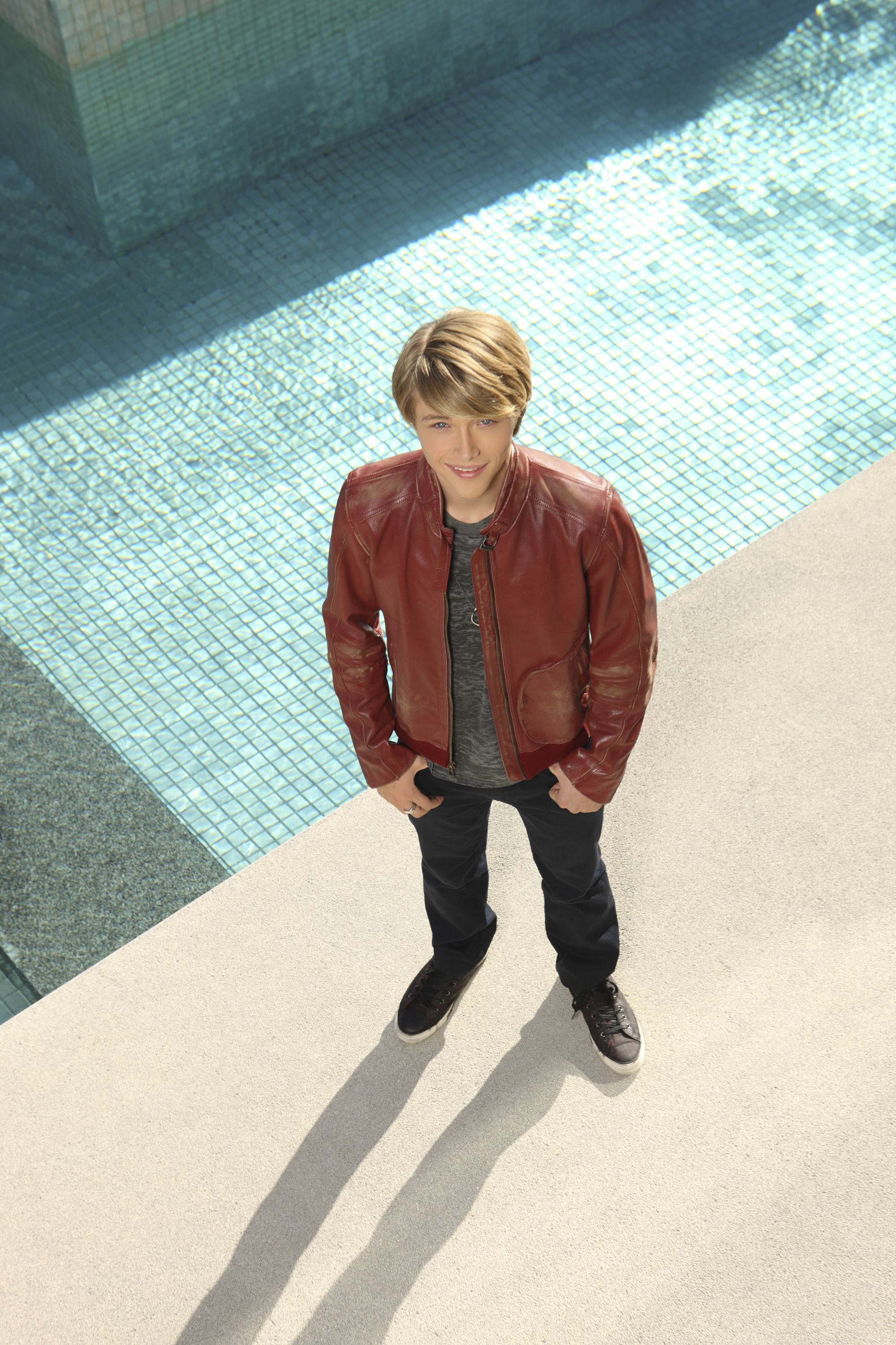 Sterling Knight Photo 13 Of 19 Pics Wallpaper Photo