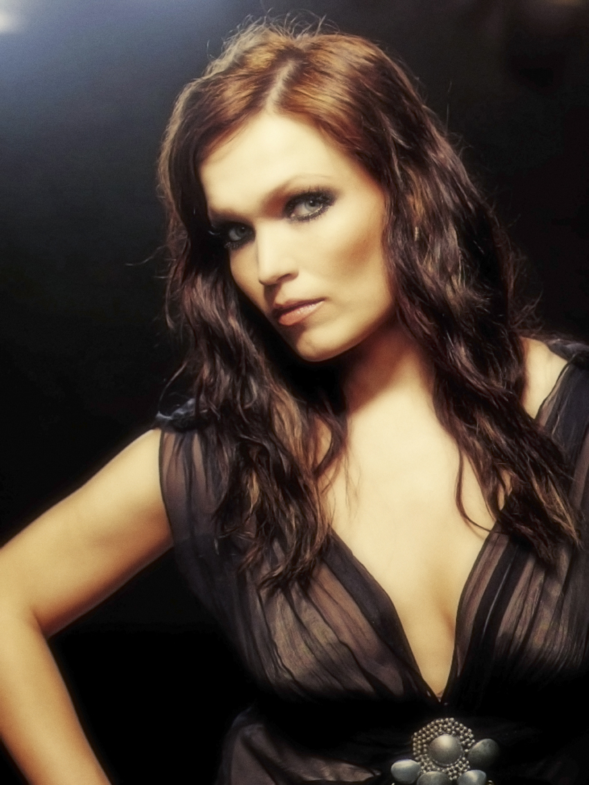 anette olzon breasts