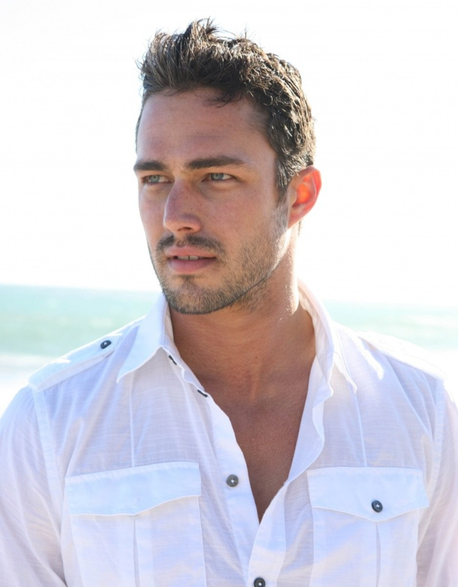 Taylor Kinney pic  572...