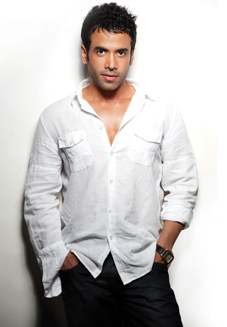 tusshar kapoor biography