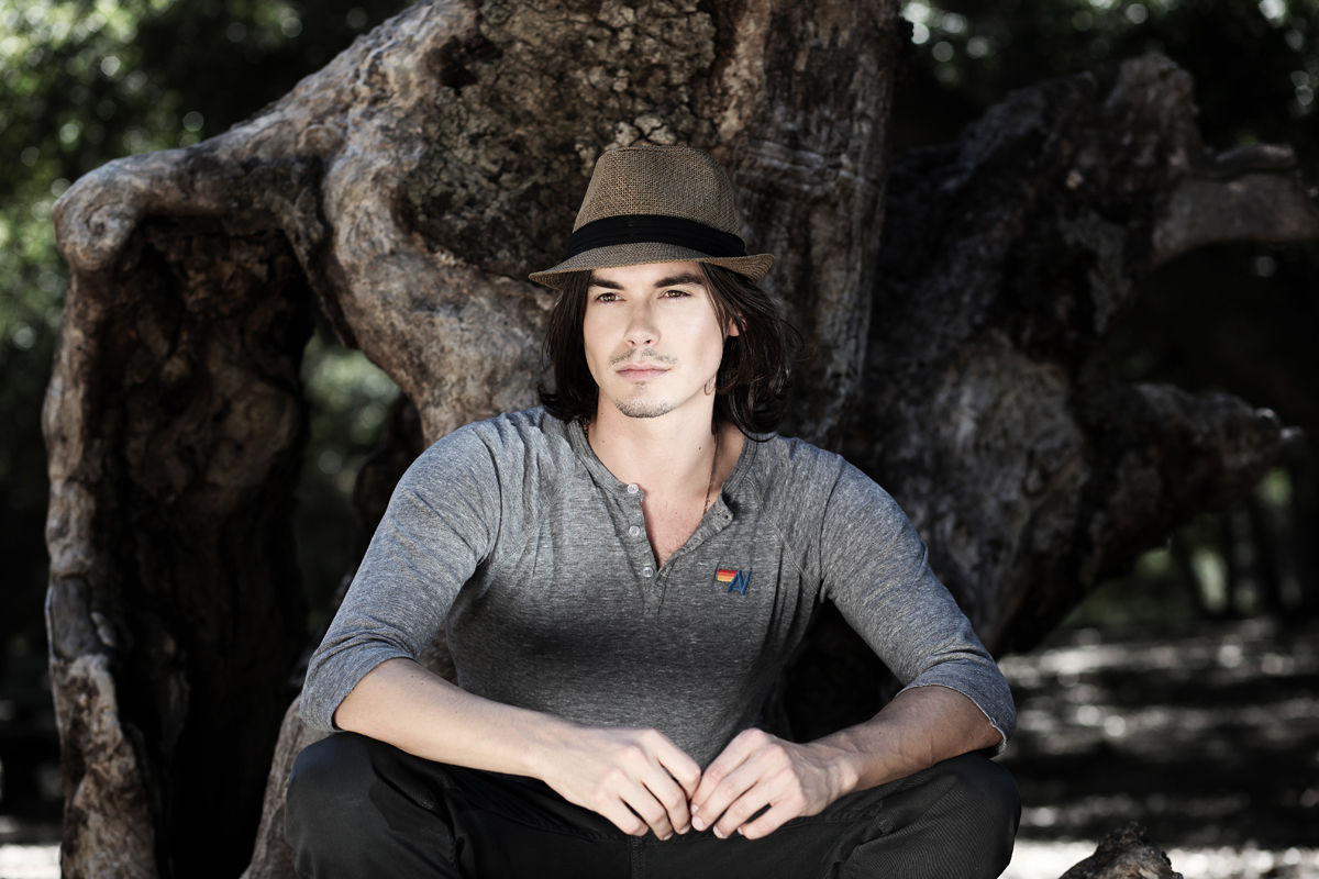 Tyler Blackburn Photo 15 Of 61 Pics, Wallpaper