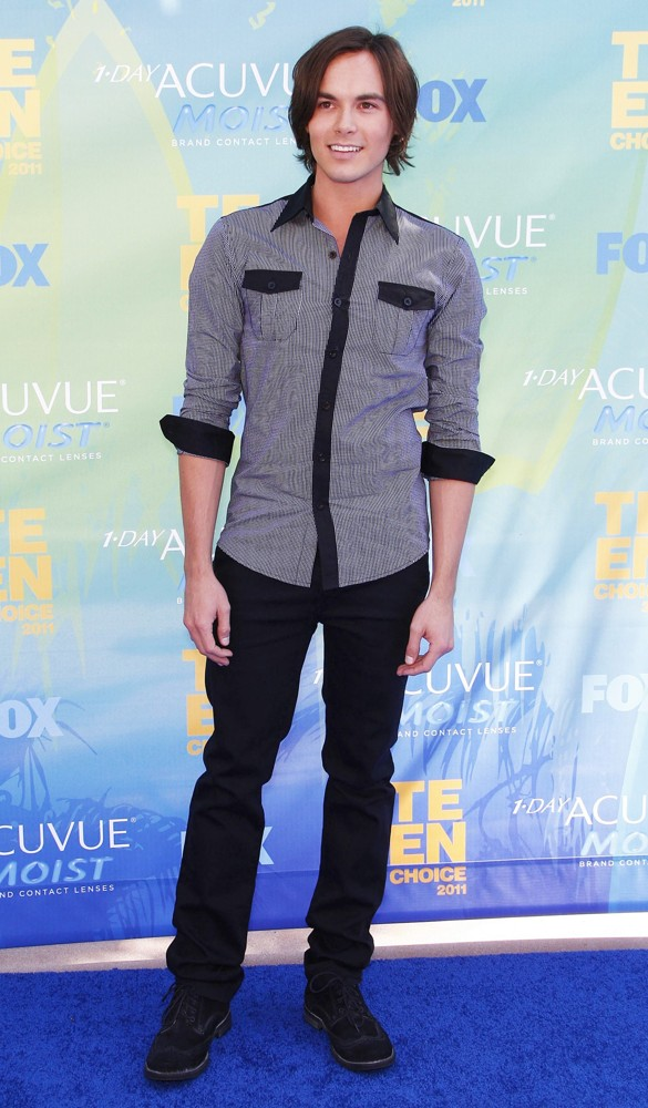 Tyler Blackburn Photo 56 Of 62 Pics, Wallpaper
