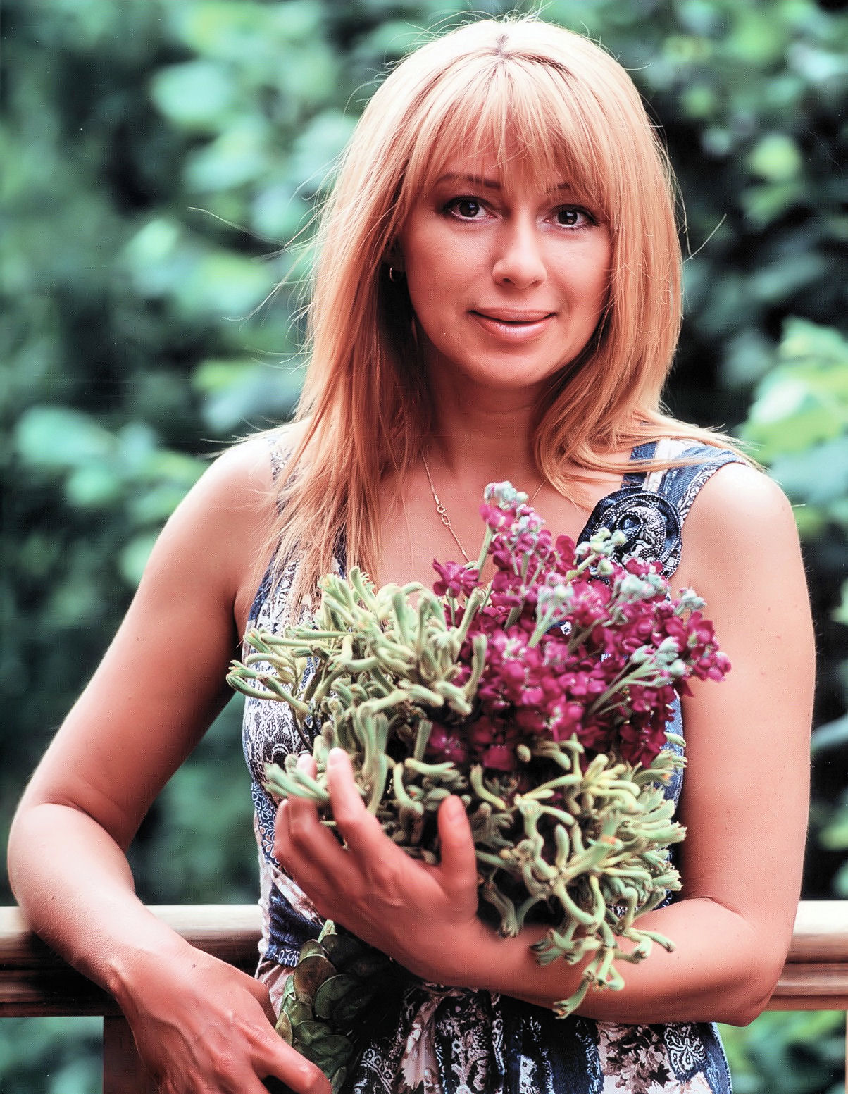 Today Alena Apina is 46 years old 08/23/2010