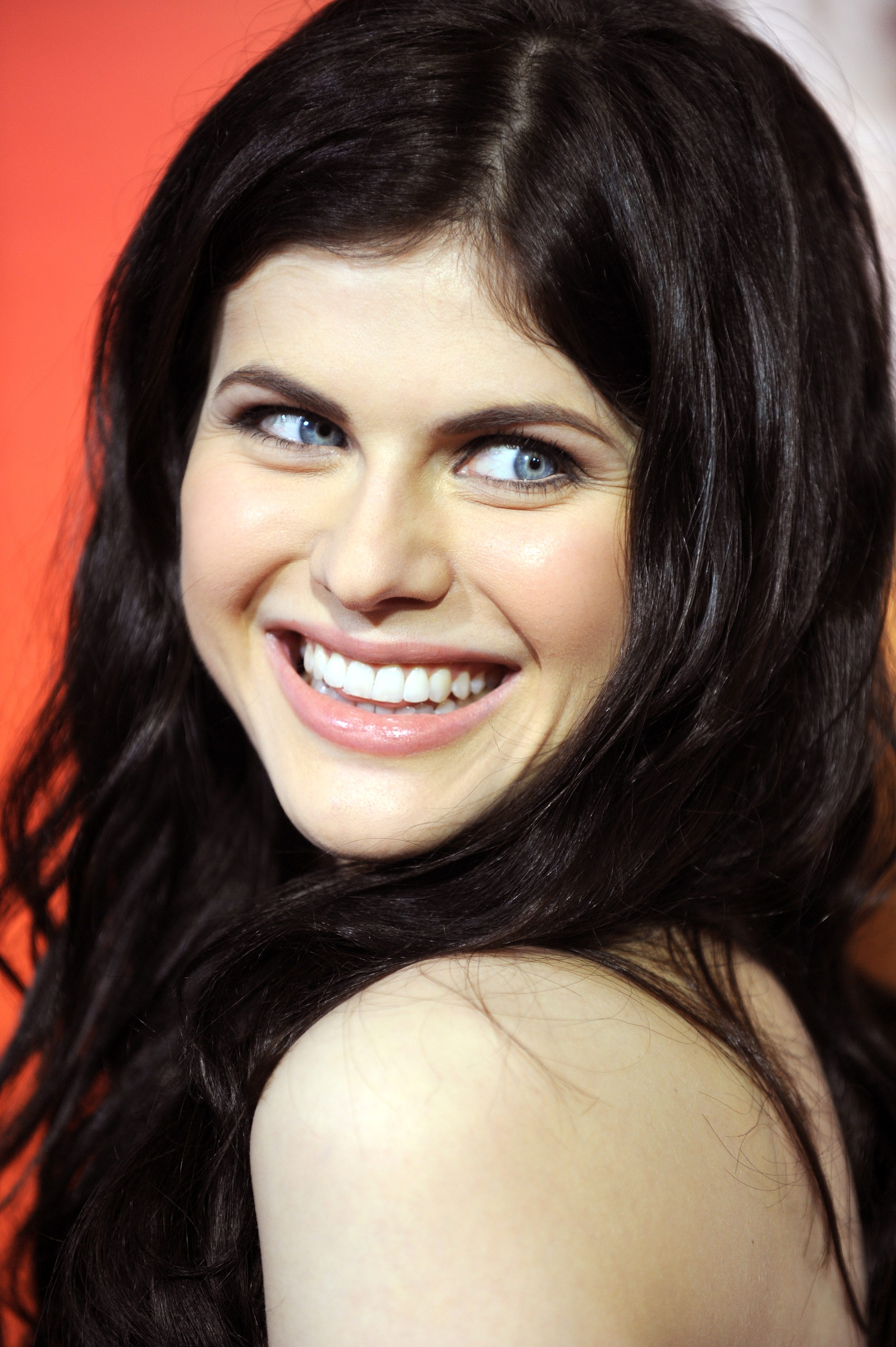 alexandra daddario photo 30 of 413 pics  wallpaper