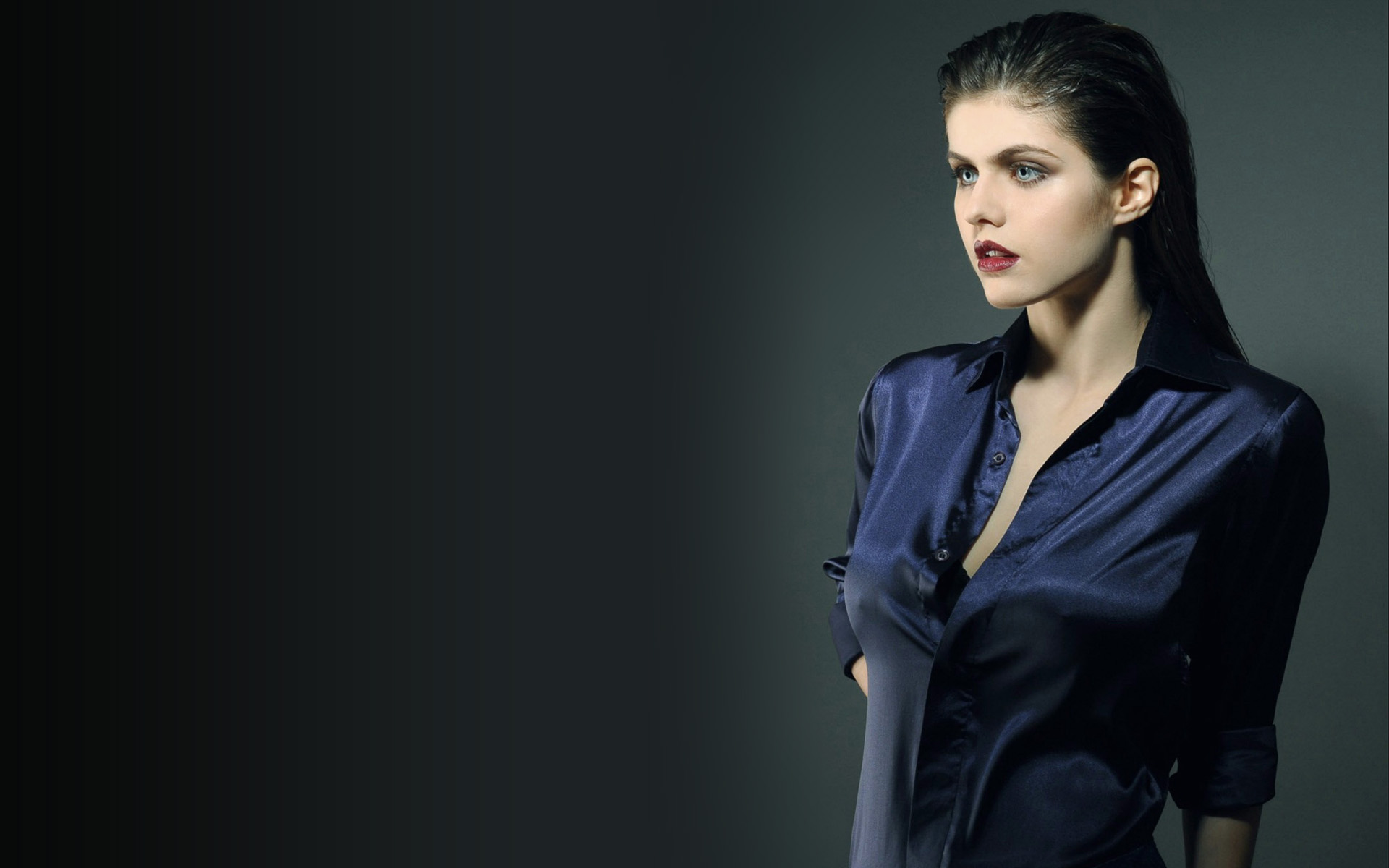 Alexandra Daddario Photo 167 Of 530 Pics Wallpaper