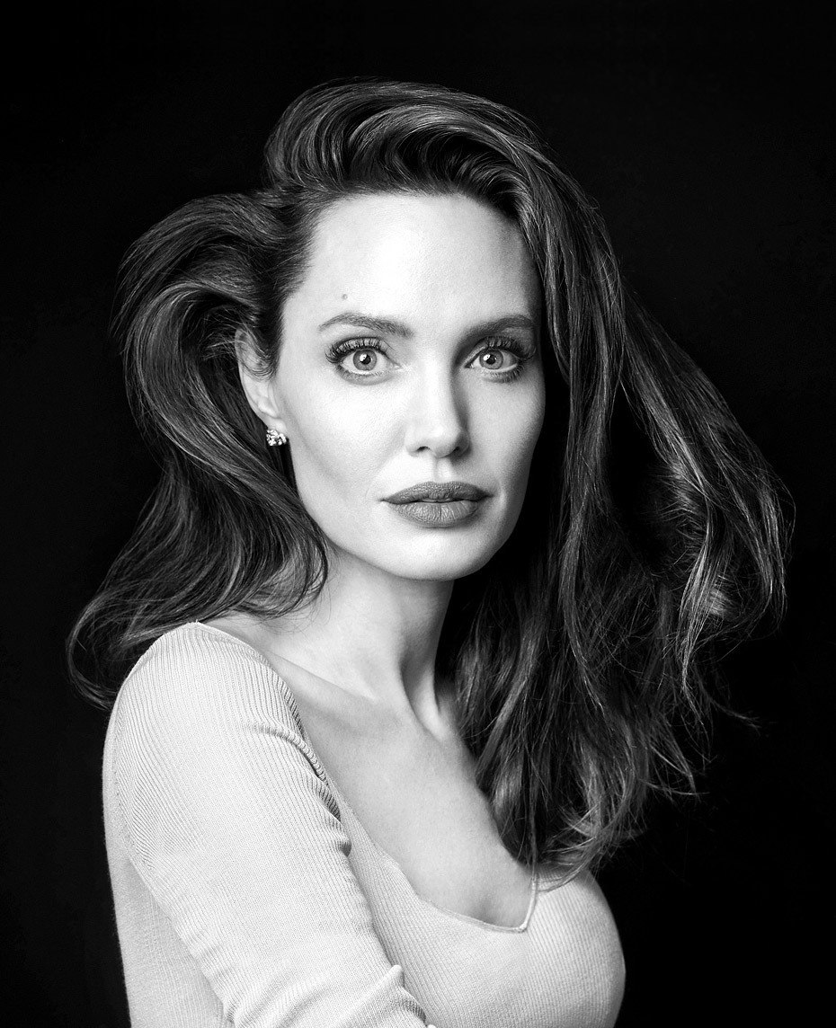Angelina Jolie photo gallery - high quality pics of ... Angelina Jolie