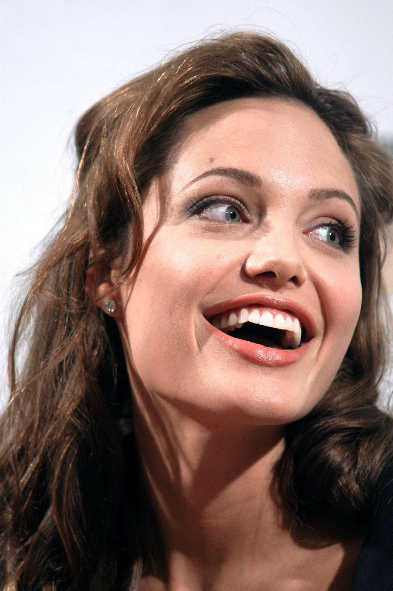Angelina Jolie Photo 732 Of 3411 Pics Wallpaper Photo