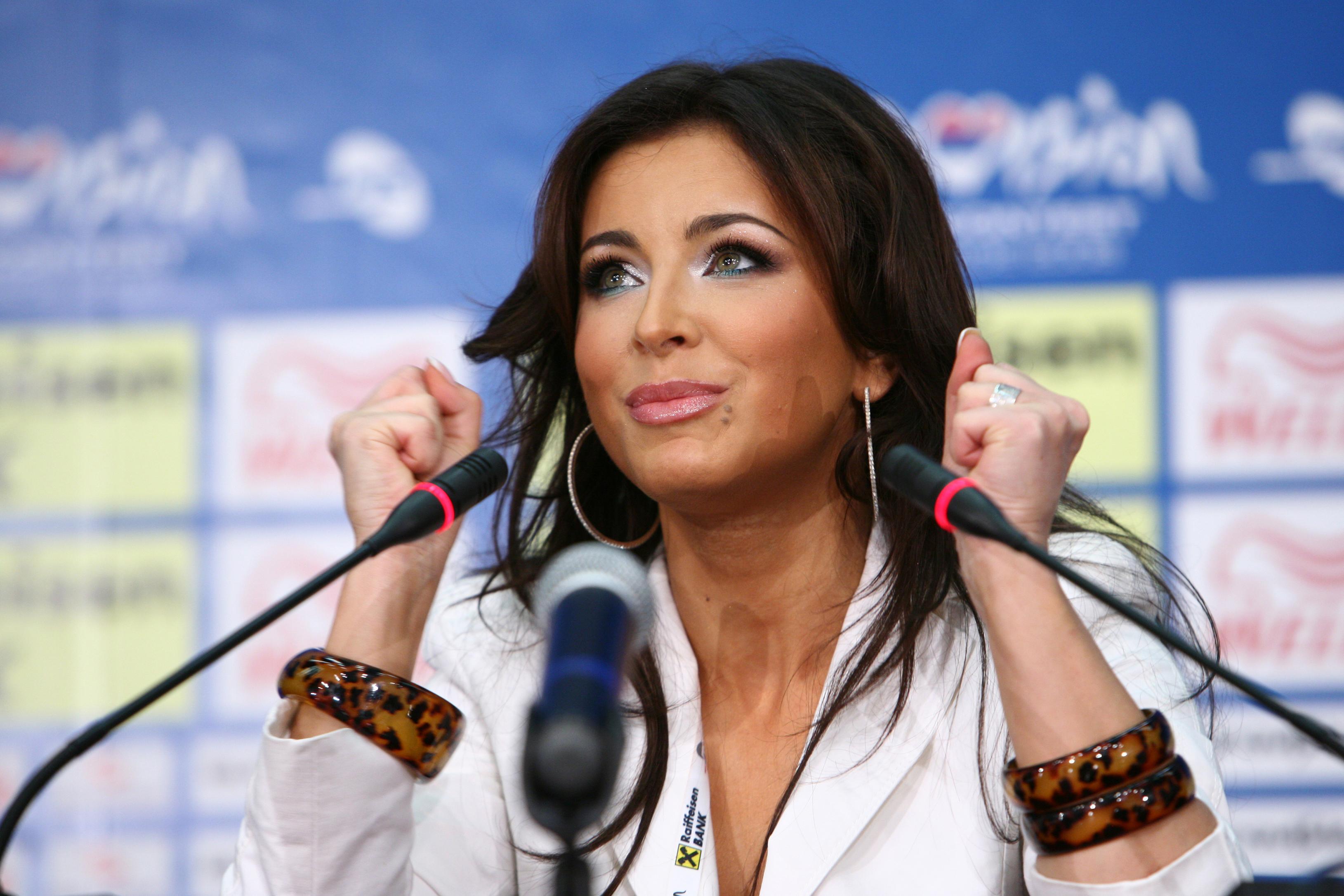 Порно жесткое фото популярных русских певиц видео