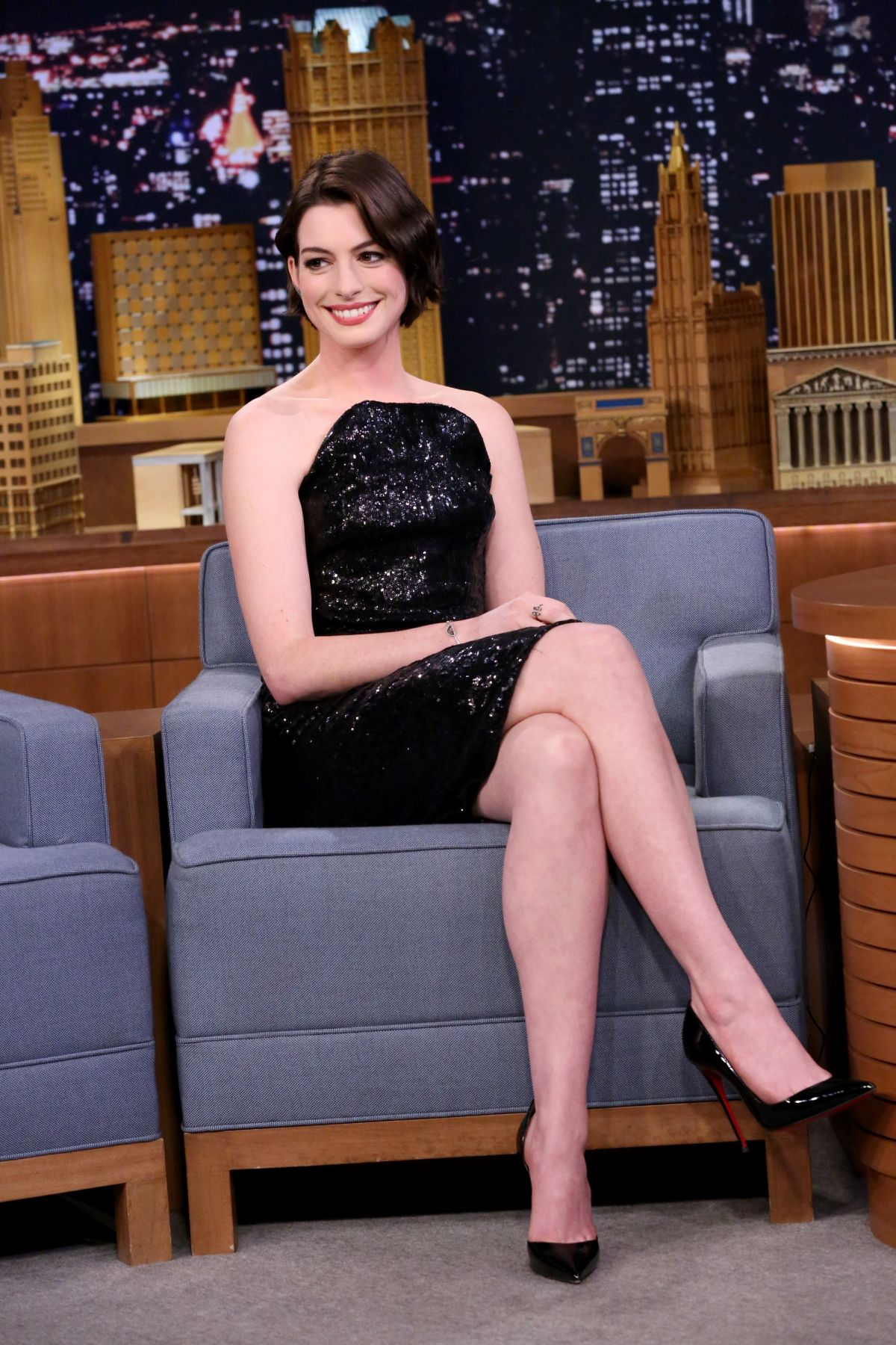 Anne hathaway legs completely agree