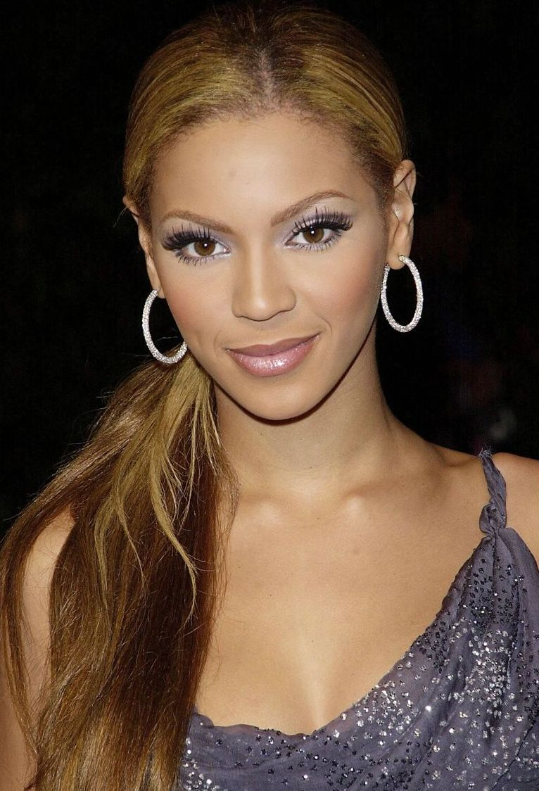 Beyonce Knowles Photos Photos - 2005 World Music Awards
