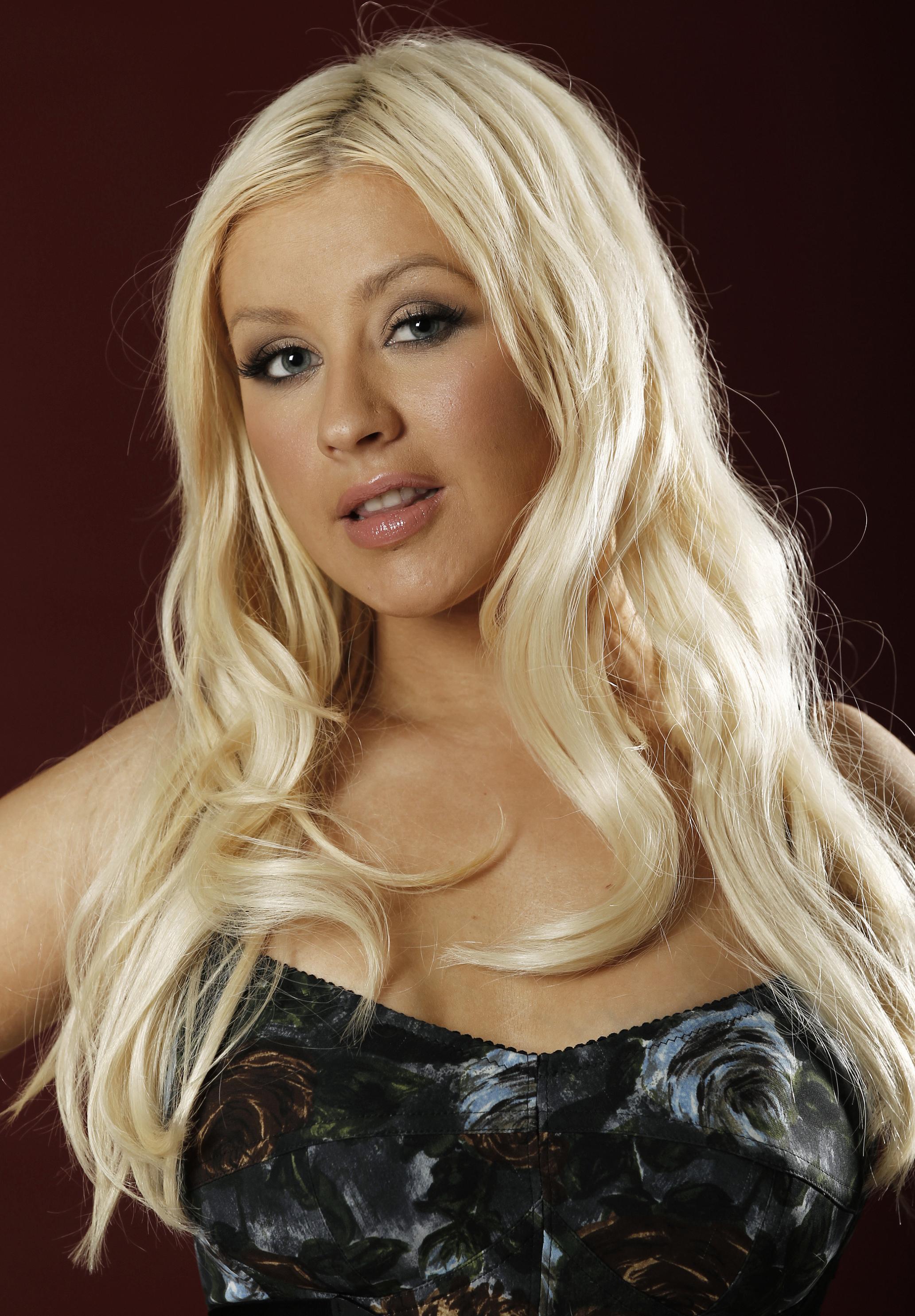 Christina Aguilera dating 2012