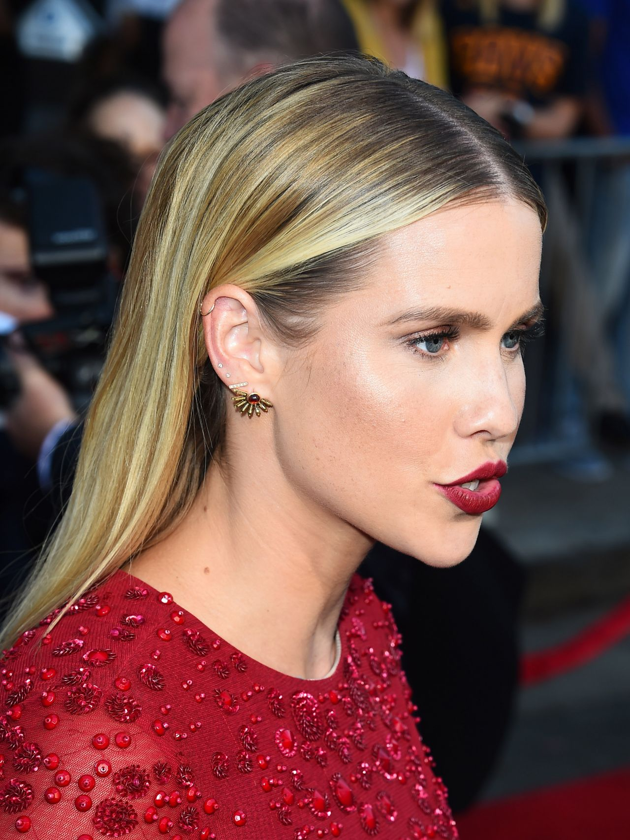 Claire Holt Photo Gallery High Quality Pics Of Claire