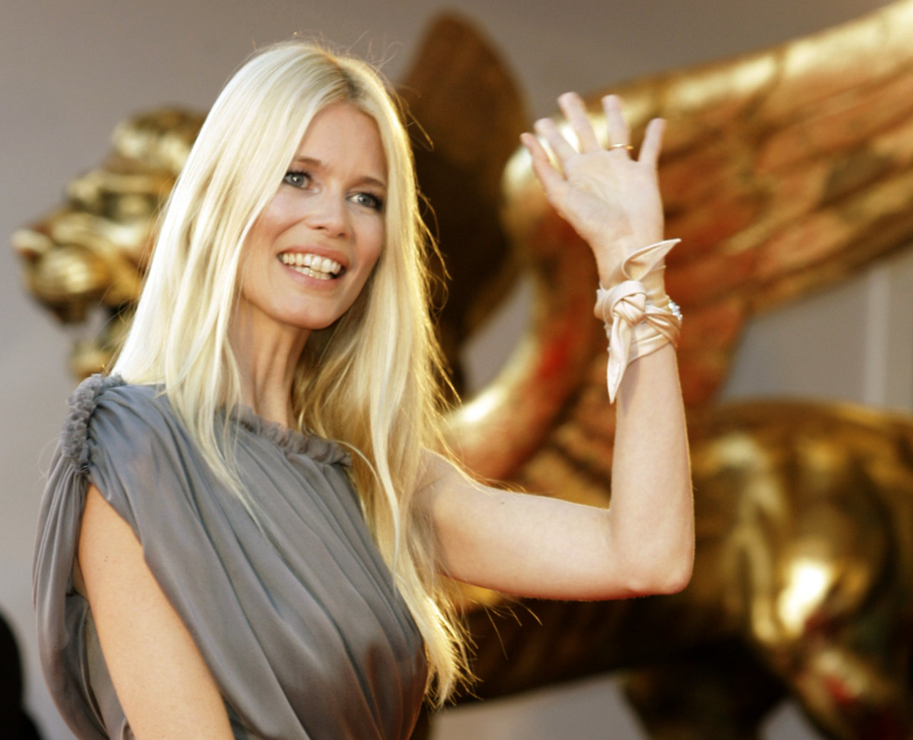 Celebrity Claudia Schiffer nudes (64 foto and video), Sexy, Cleavage, Selfie, butt 2006