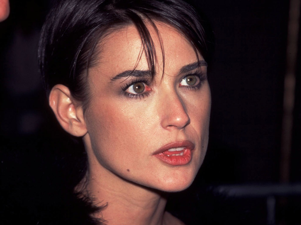 Demi Moore photo 411 o...