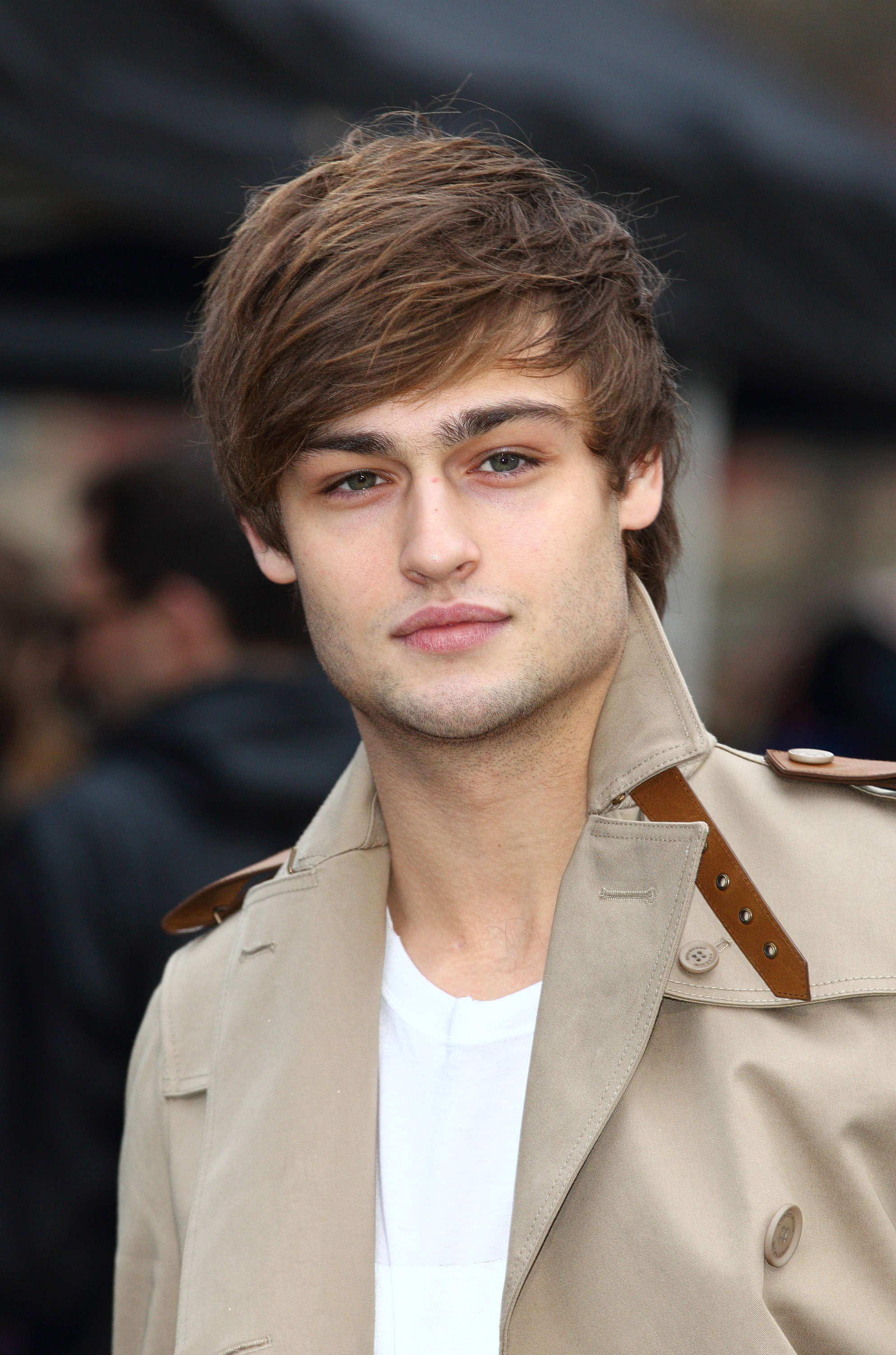 Douglas Booth photo 10...