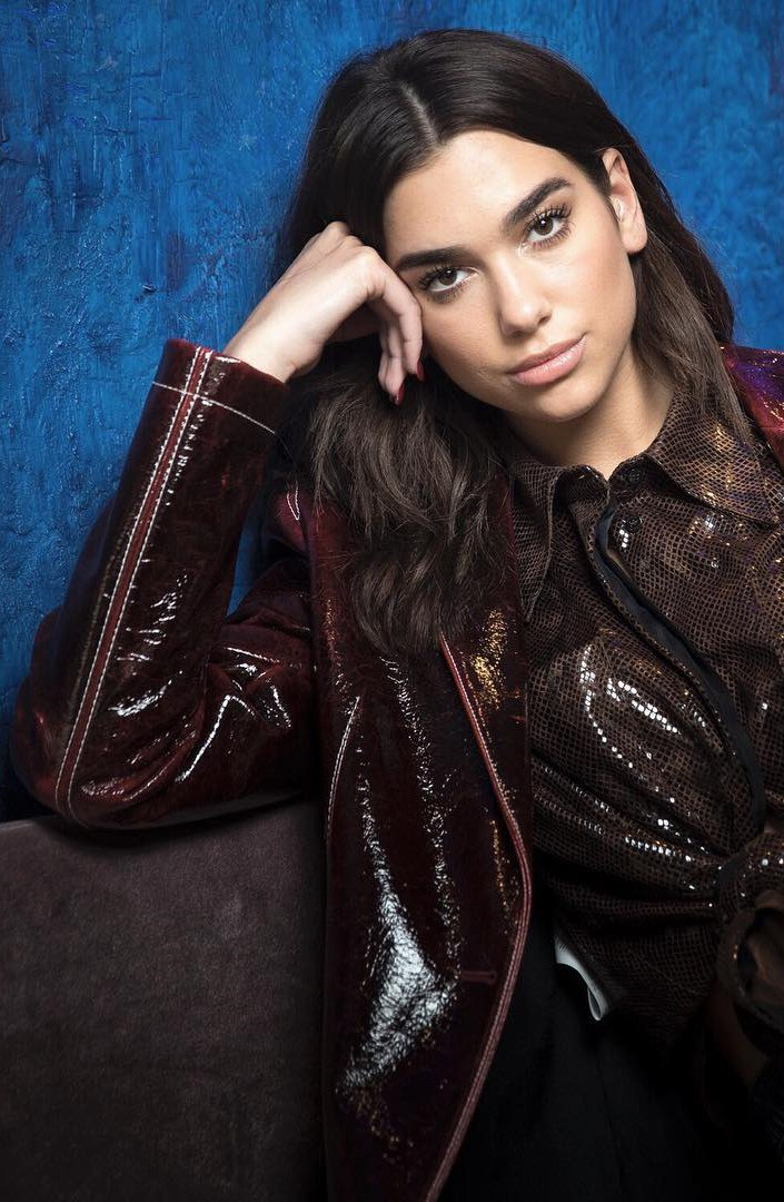 dua lipa photo 466 of 900 pics wallpaper photo 1027881 theplace2. Black Bedroom Furniture Sets. Home Design Ideas
