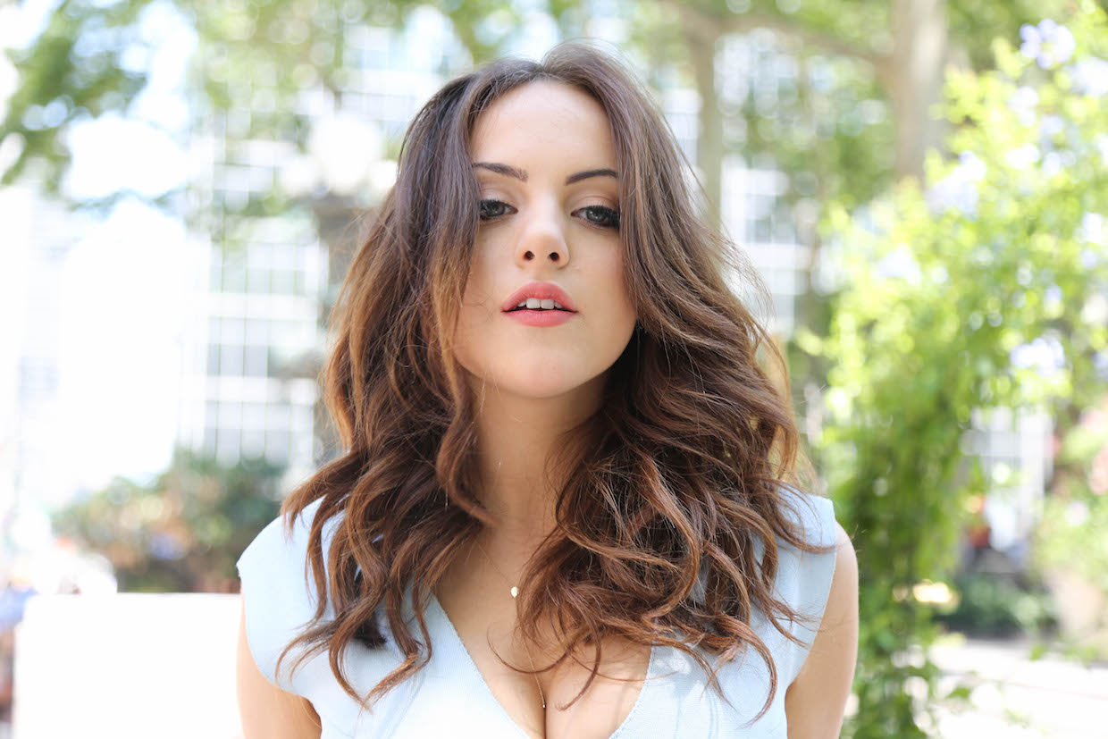 Elizabeth Gillies Actress Victorious Elizabeth Gillies born July 26 1993 is an American actress singer and songwriter Elizabeth began acting