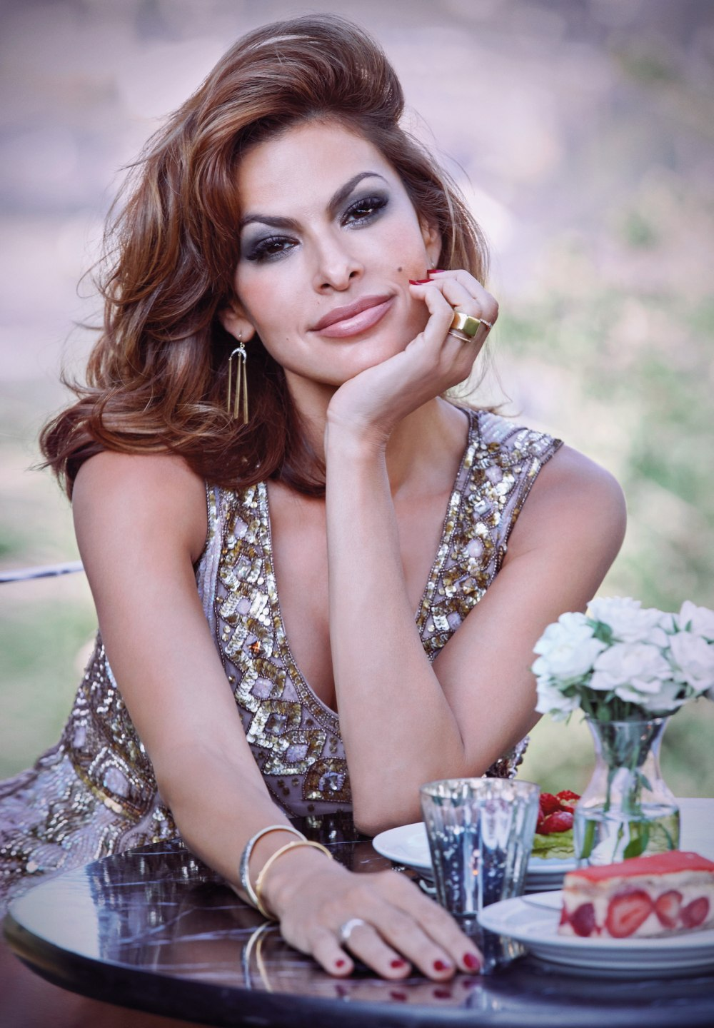 Eva Mendes photo galle...