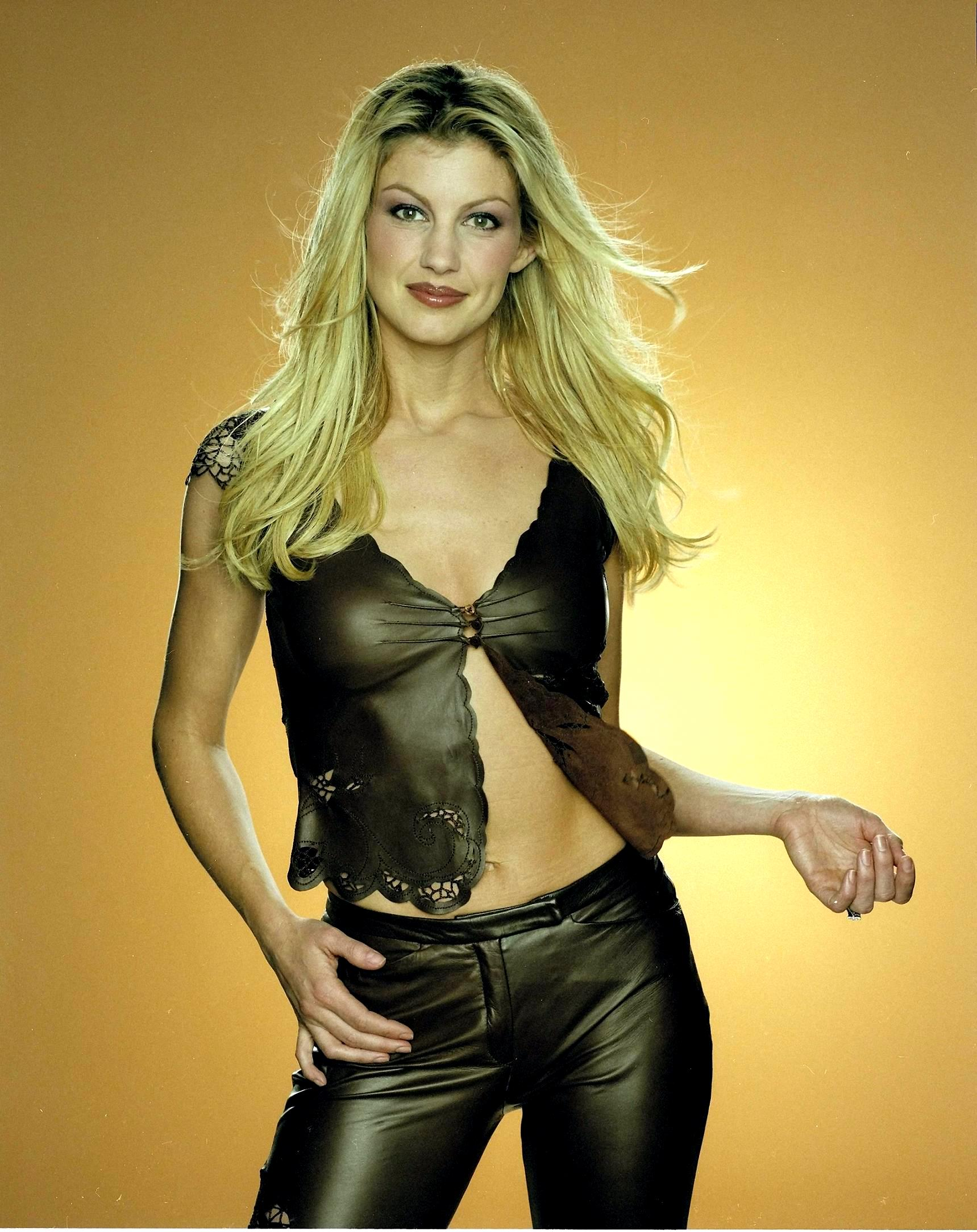 Opinion you Country music singer faith hill nude