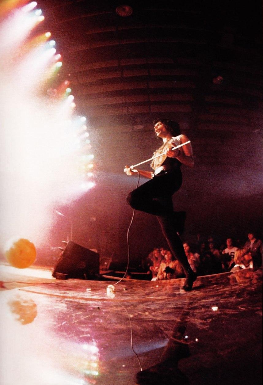 Freddie Mercury Photo 337 Of 939 Pics Wallpaper Photo 685172 Theplace2