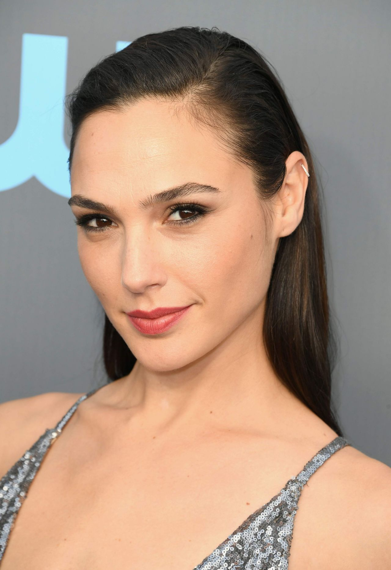Gal Gadot photo 536 of 551 pics, wallpaper - photo #997947 ... Ryan Reynolds Md