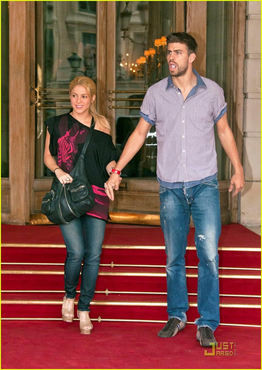 Gerard Pique photo 66 of 97 pics, wallpaper - photo #489457 ... Shakira