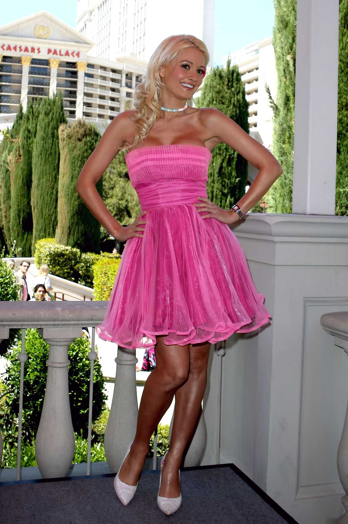 holly madison high quality naked pics
