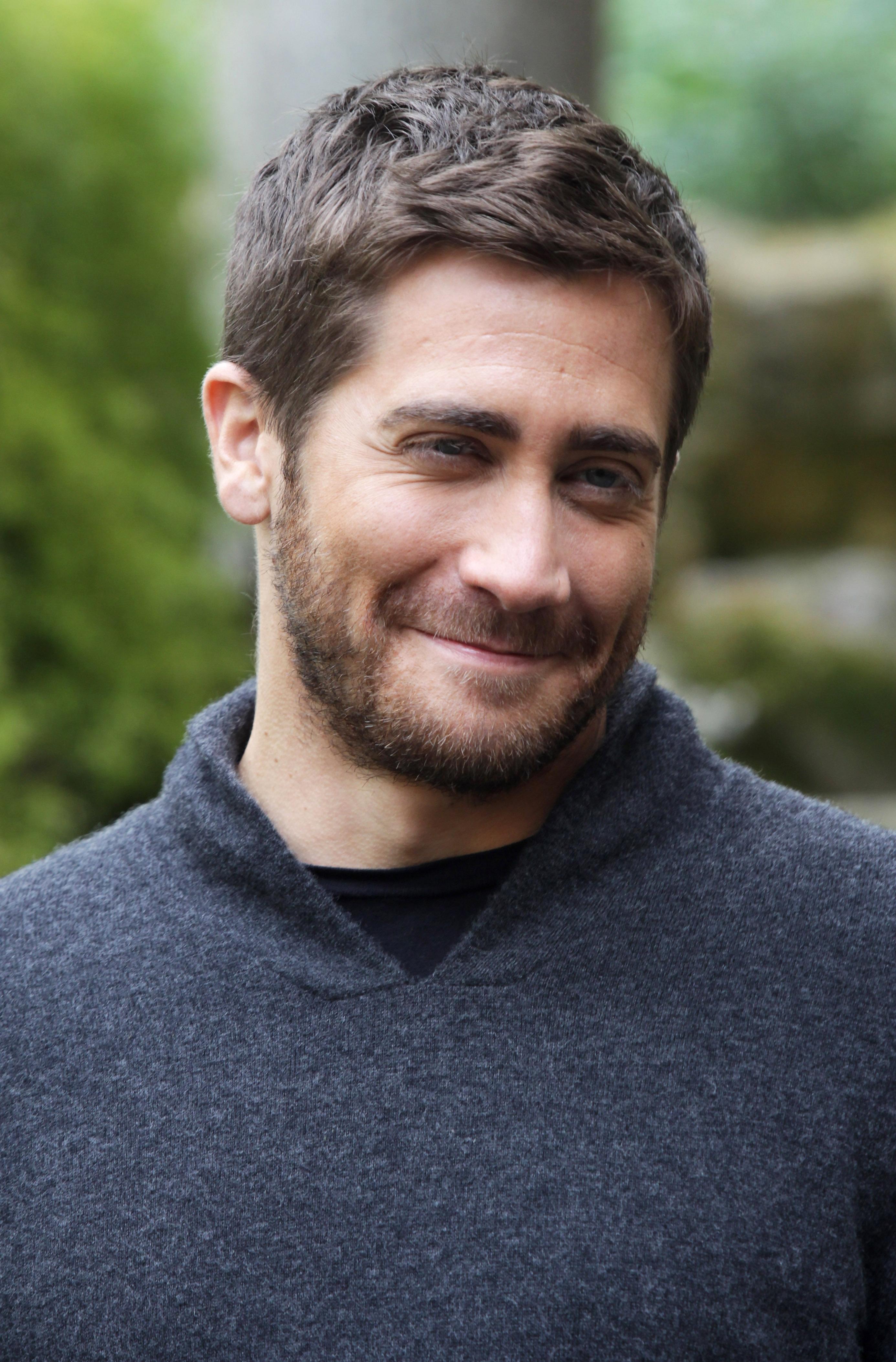 Jake gyllenhaal datování 2012
