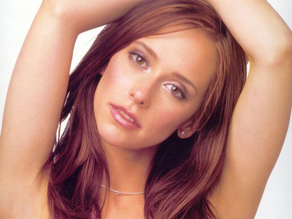 Jennifer love hewitt nude picture iphone photos 15
