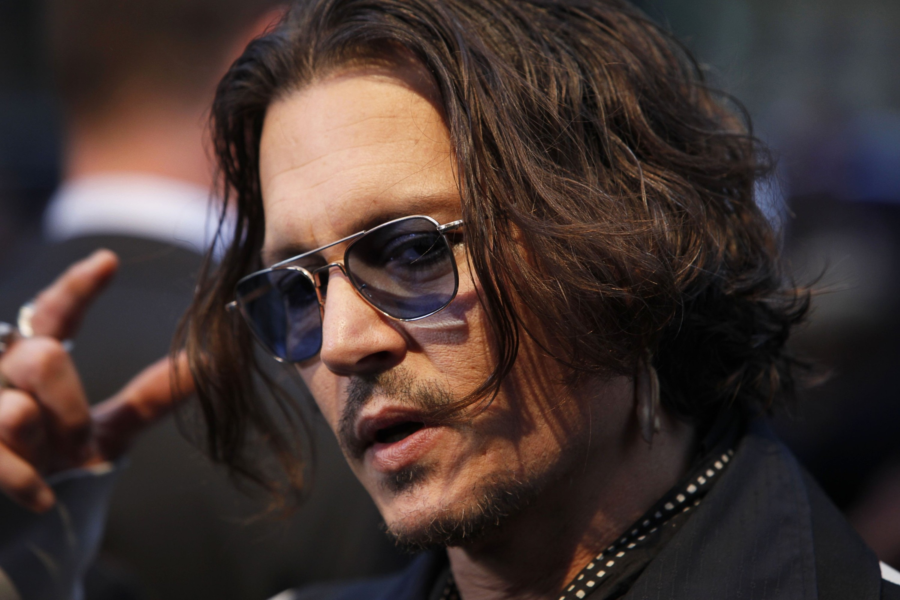 jhonny depp Johnny depp has apologized for a remark he made about assassination.