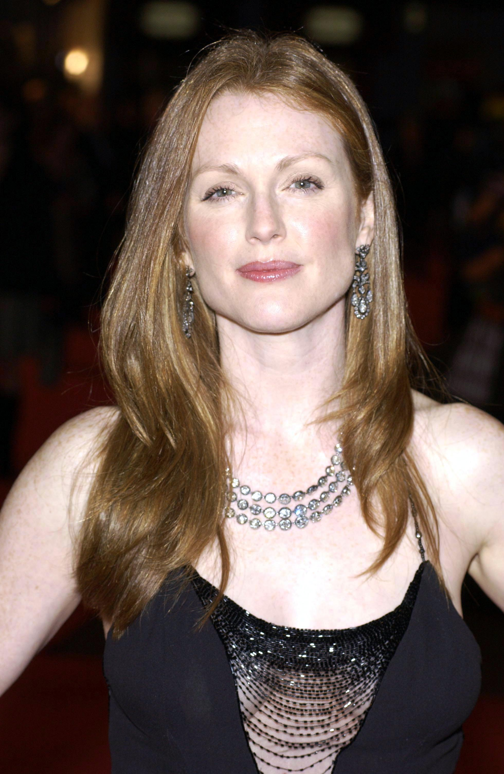 Julianne Moore Photo 1 Of 764 Pics Wallpaper Photo