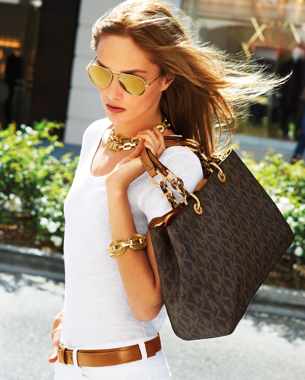 Стильные женские сумки звезд