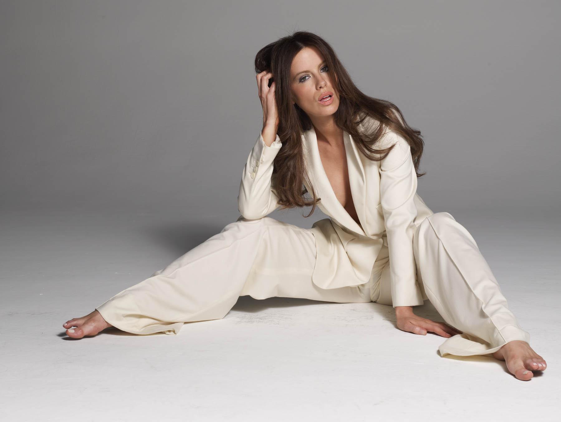 Beckinsale feet kate Kate Beckinsale