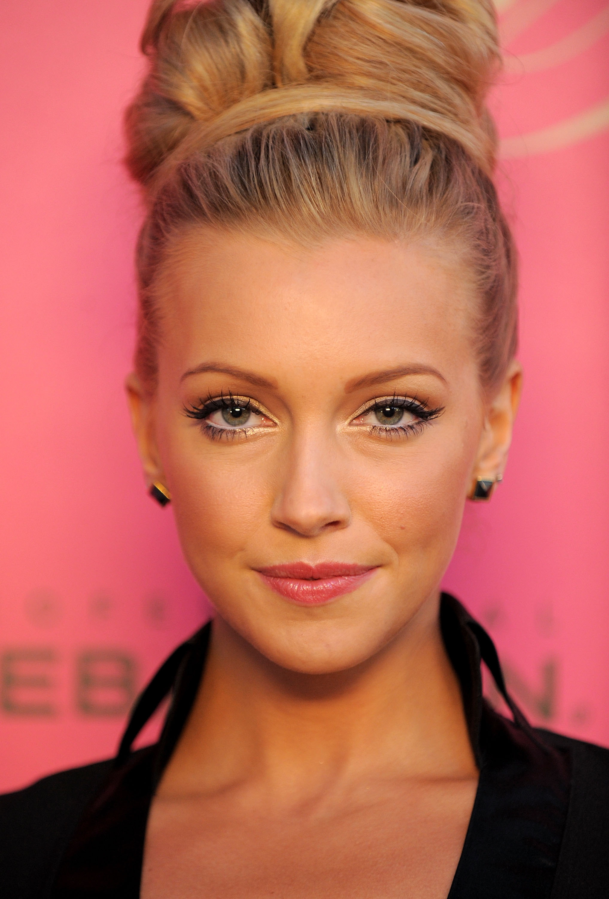 Katie Cassidy Photo 17 Of 626 Pics Wallpaper Photo