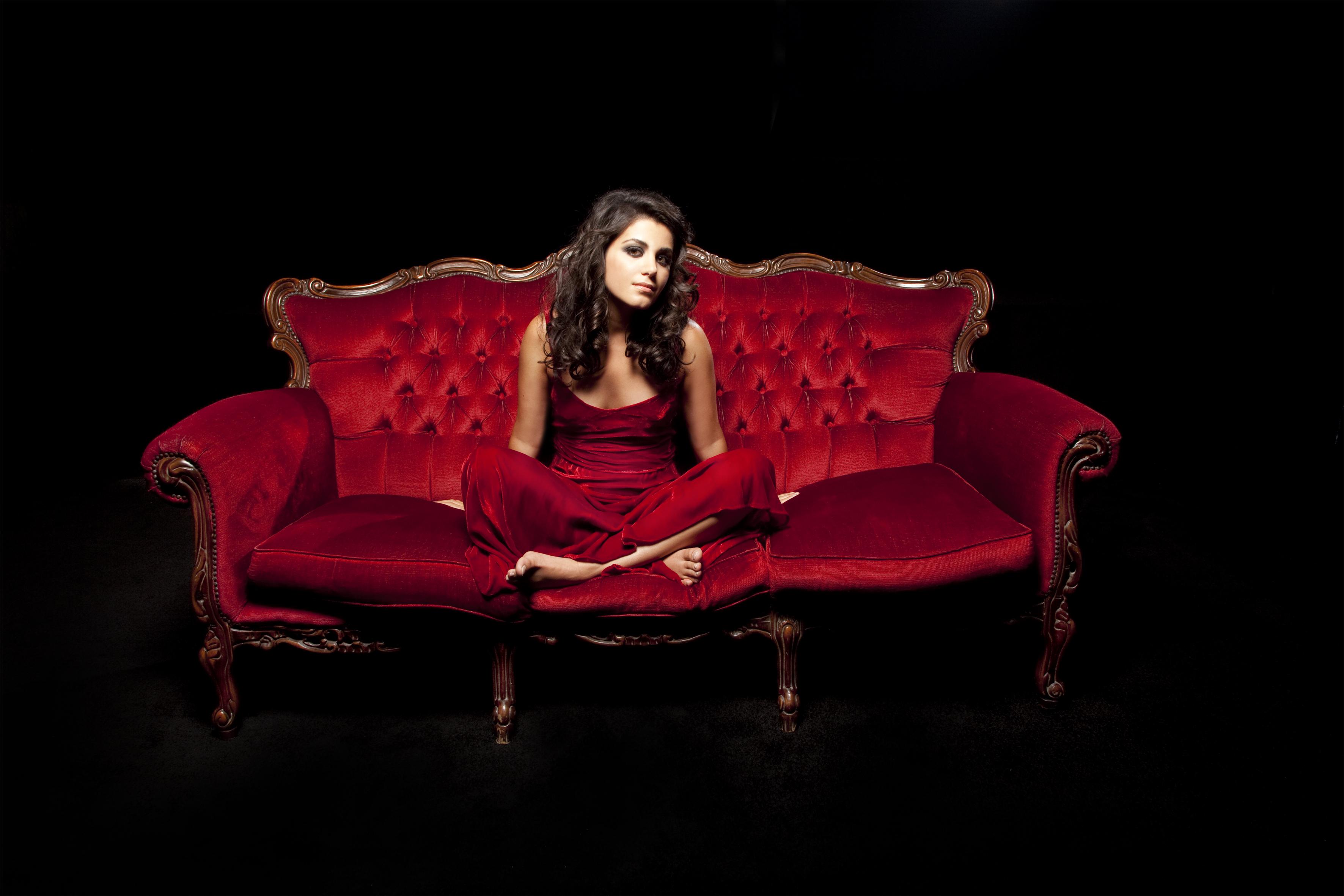 Красный диван скачать