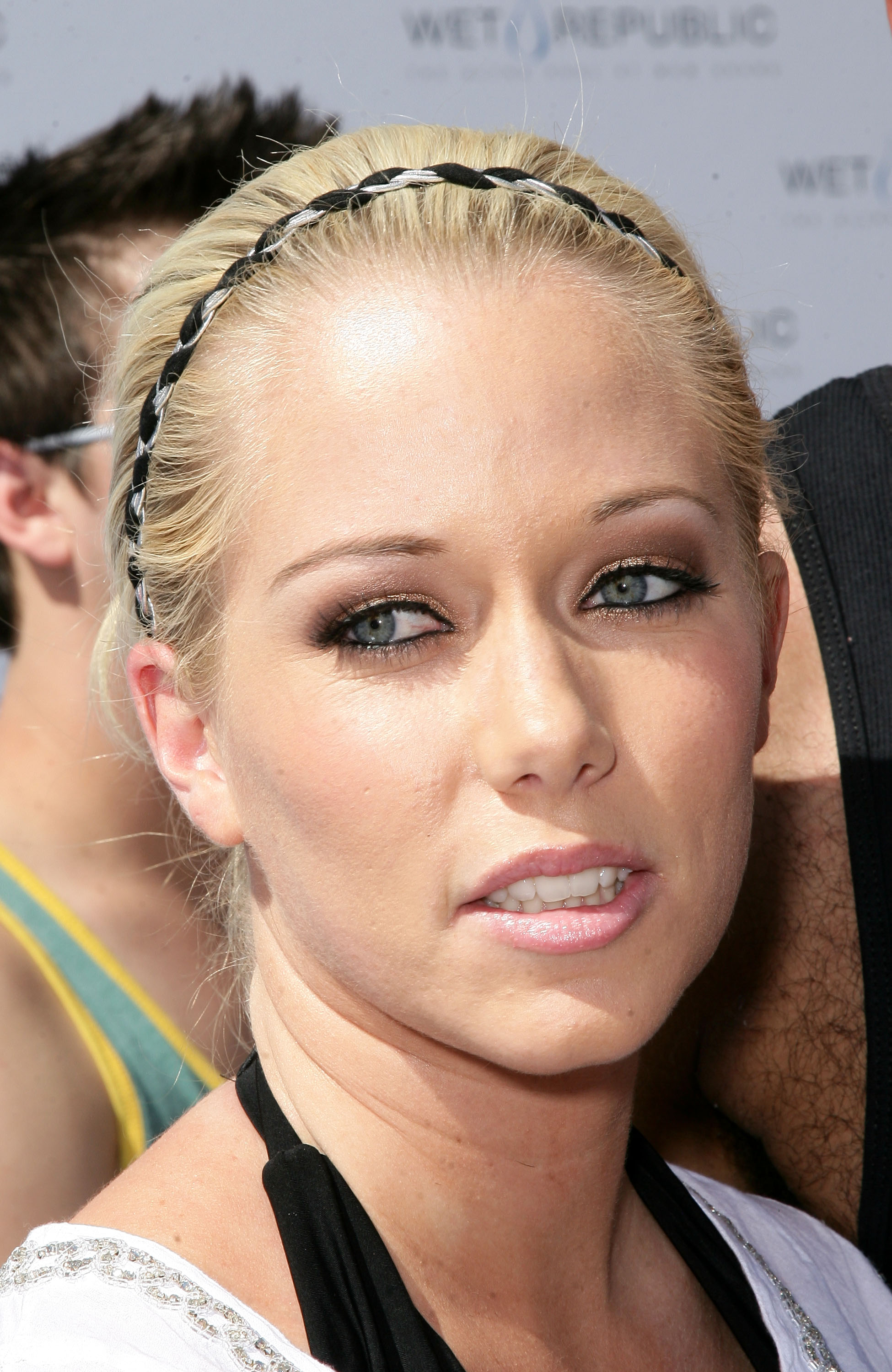 Kendra Wilkinson News, Pictures, and Videos | TMZ.com