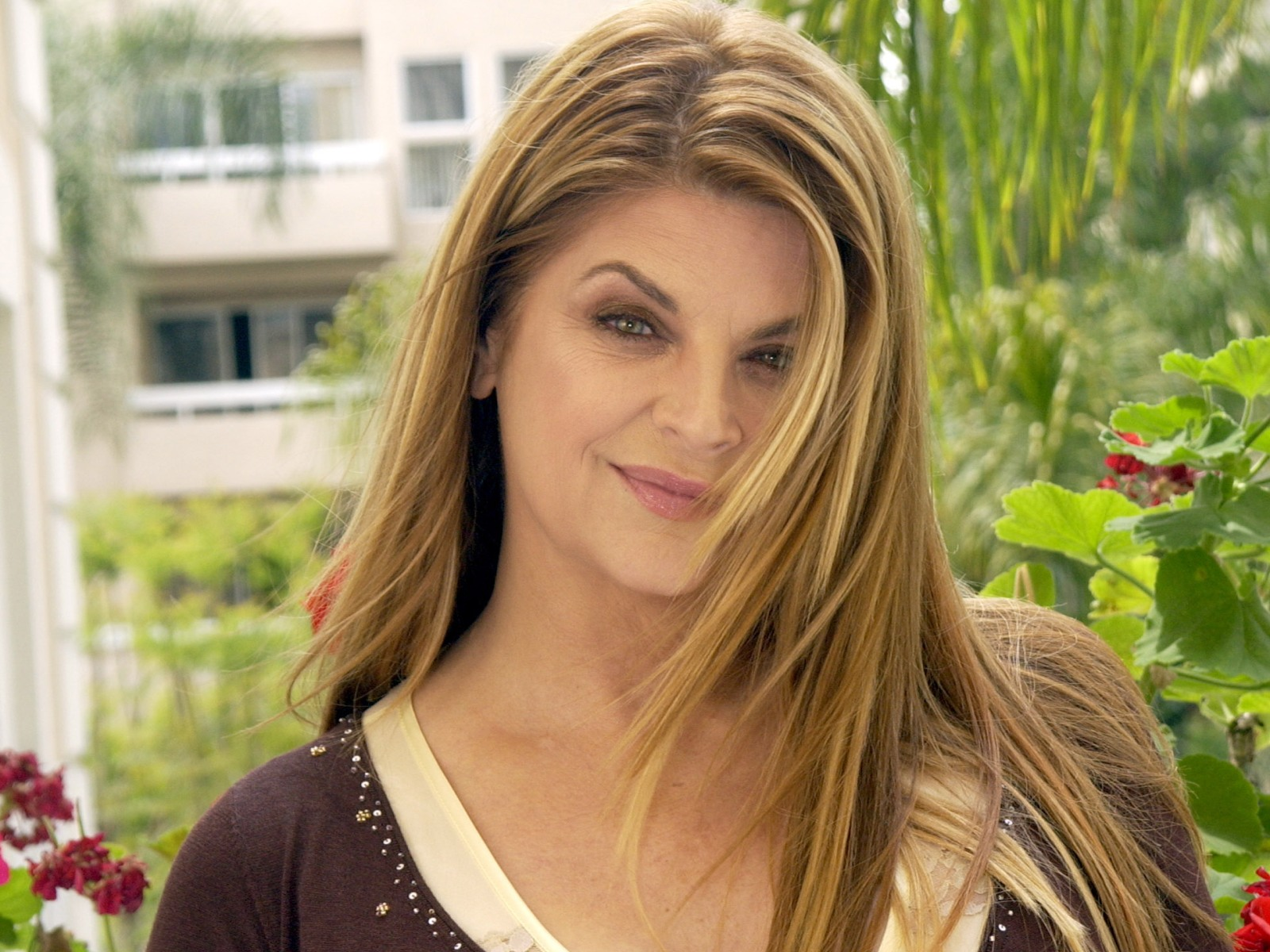 kirstie alley photo 6 of 34 pics  wallpaper