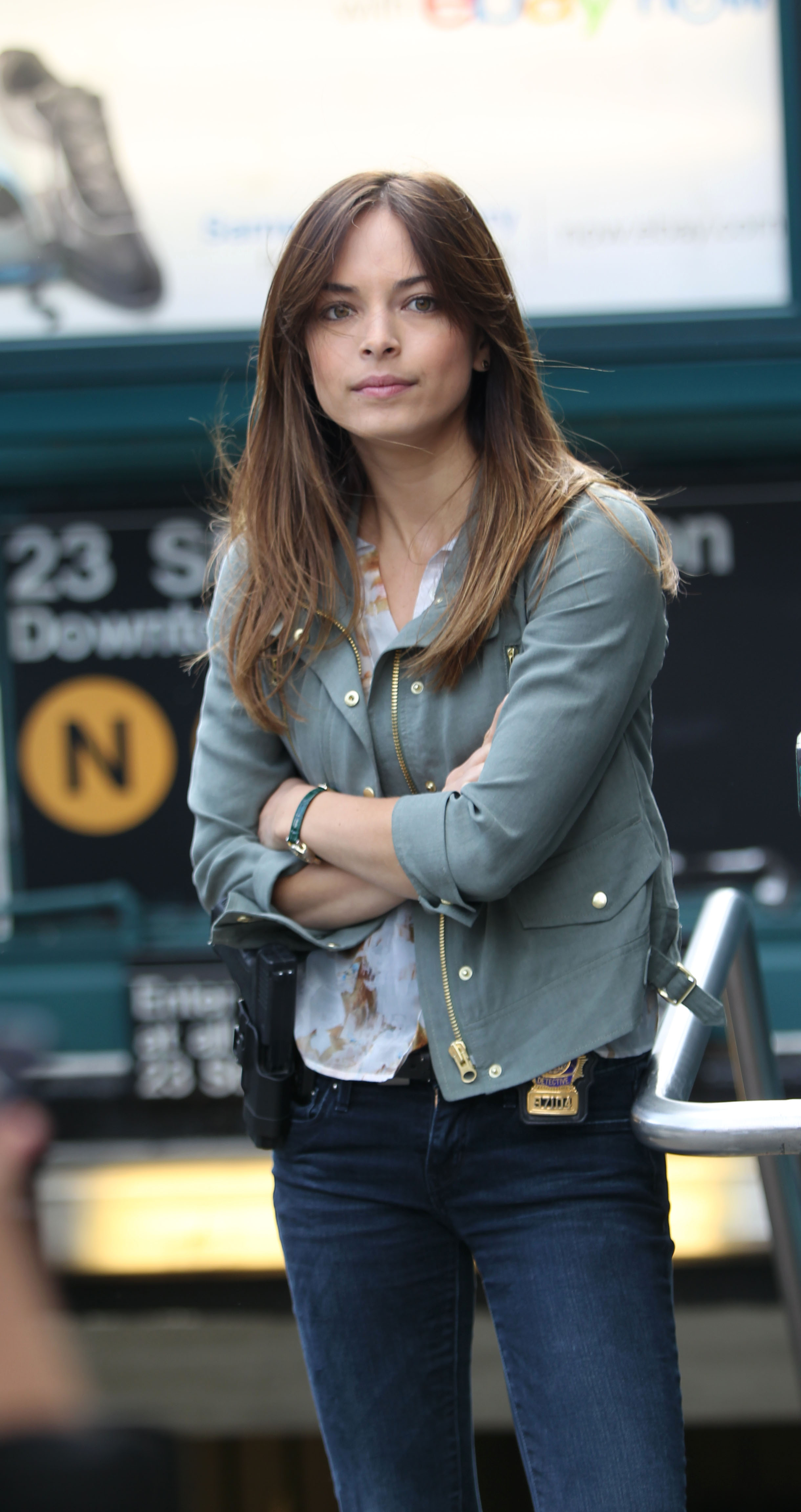 Who is Kristin Kreuk dating?