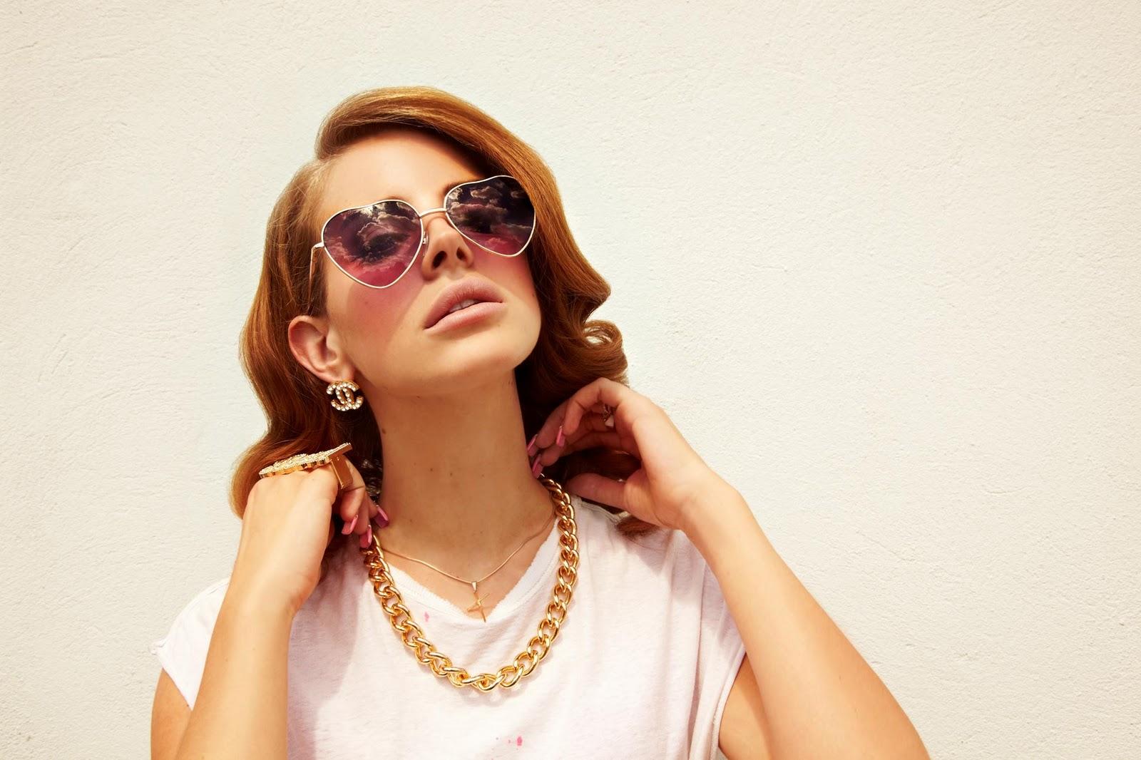 Певица Lana Del Rey На качелях бесплатно