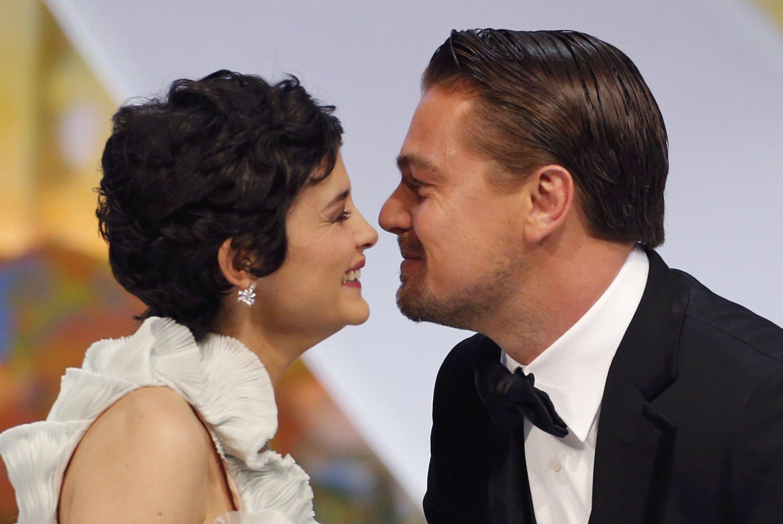 Leonardo DiCaprio dating 2013 Hoe te bouwen twee dating relaties Sims vrijspelen