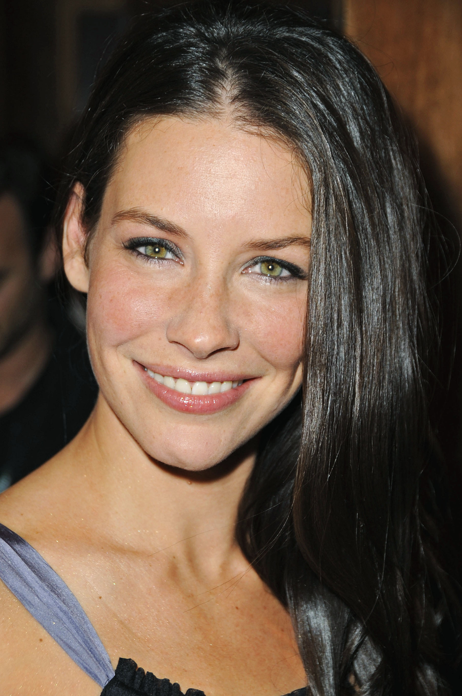 evangeline lilly photo 231 of 533 pics wallpaper photo 111860 theplace2. Black Bedroom Furniture Sets. Home Design Ideas