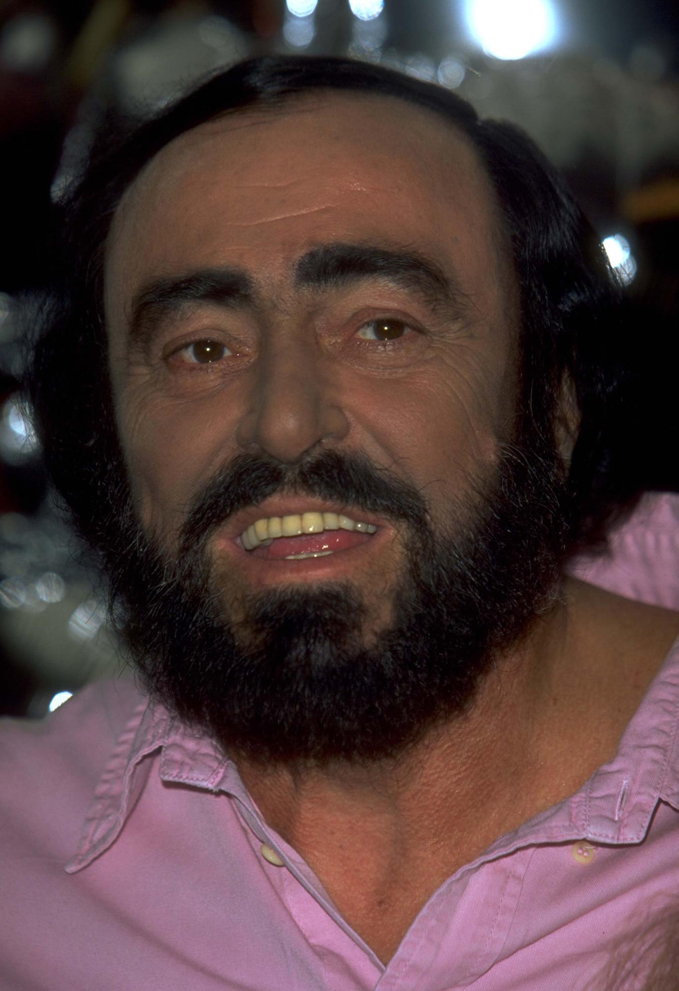 Luciano Pavarotti Wallpaper