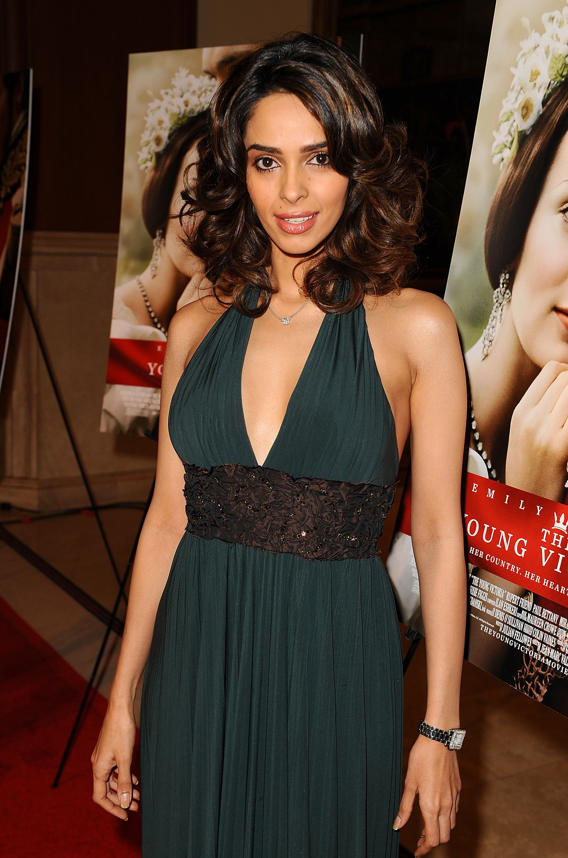mallika sherawat photo 16 of 37 pics, wallpaper - photo #321580