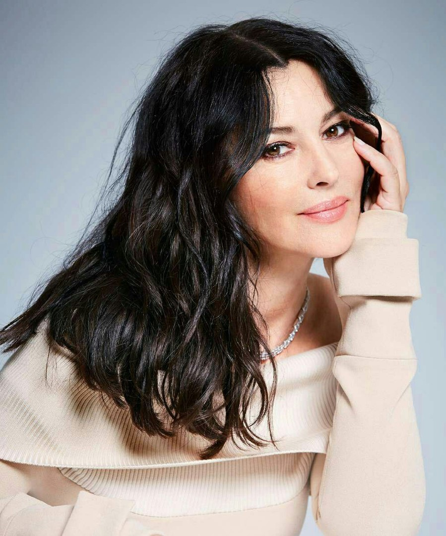 Monica Bellucci photo 1630 of 1707 pics, wallpaper - photo #930053 ...