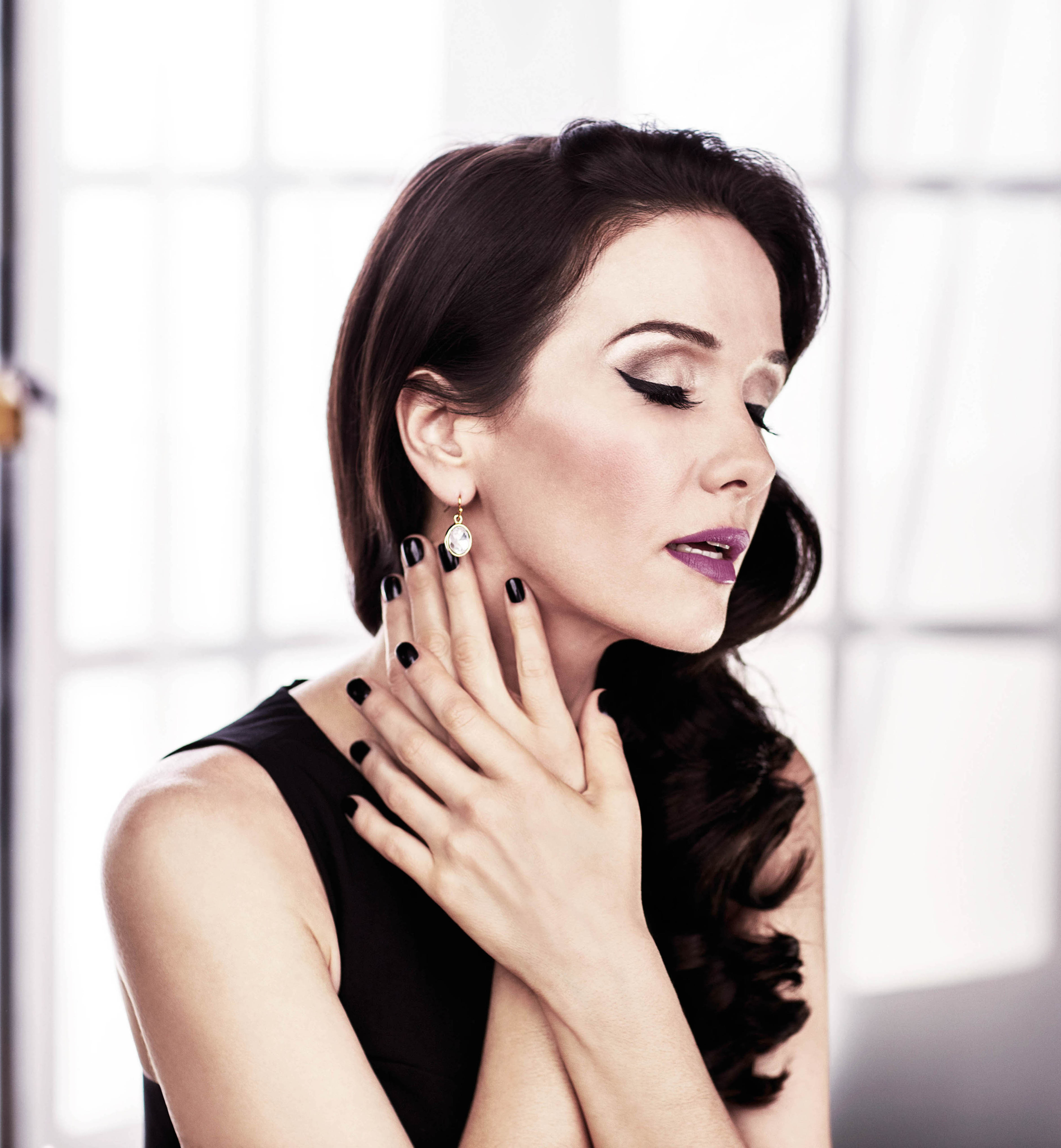 Natalia Oreiro photo g...