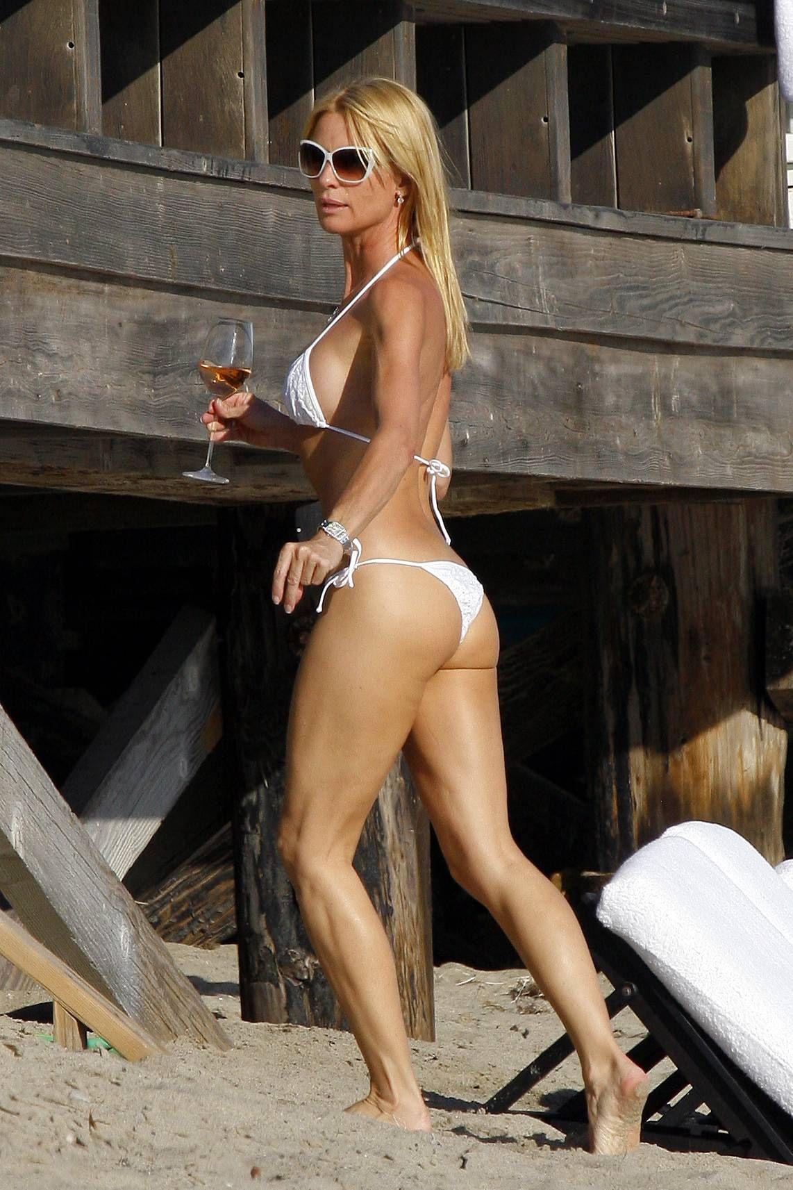 Nicole sheridan nue images
